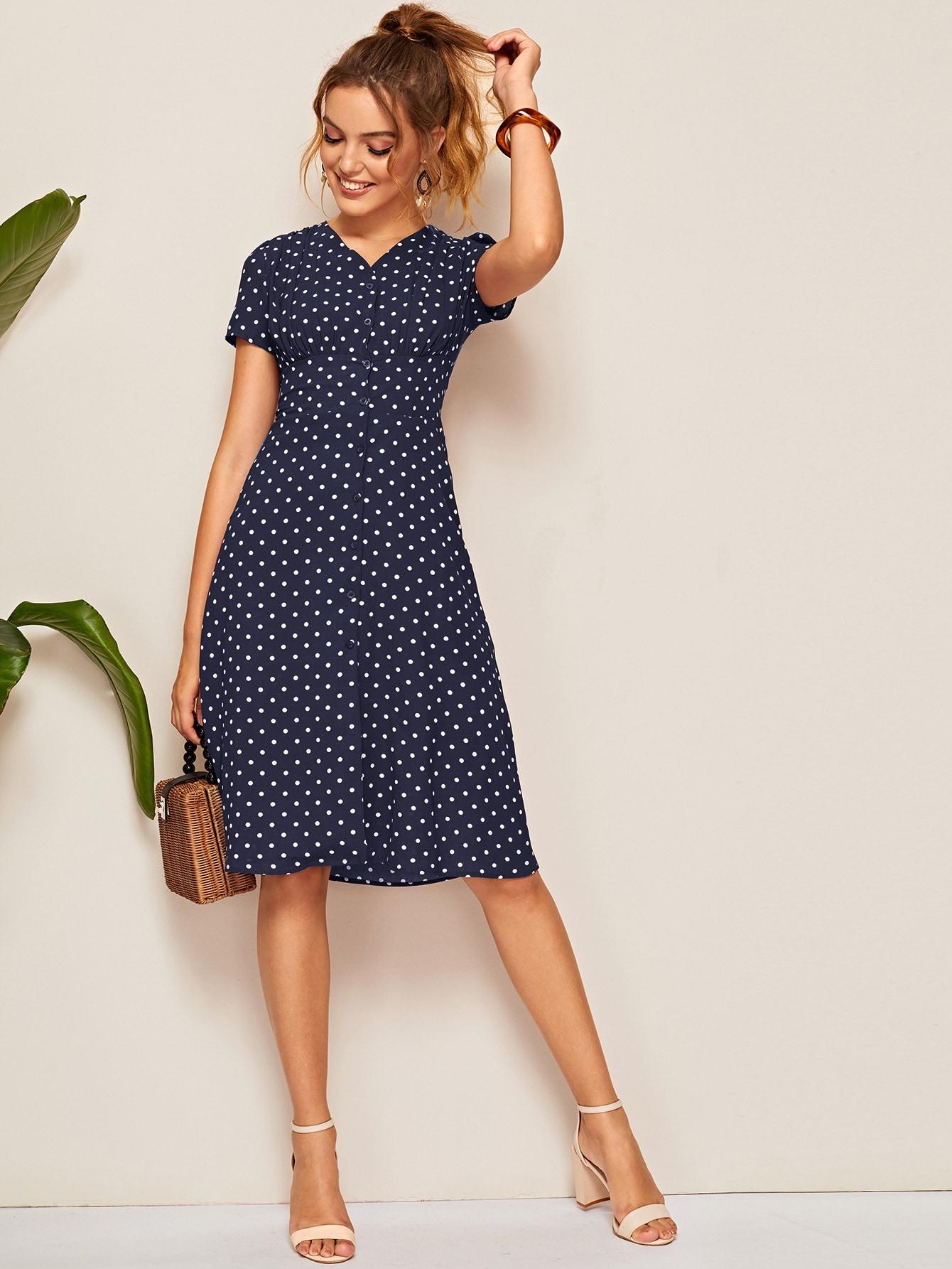 Фото - Платье в горошек с пуговицами от SheIn цвет тёмно-синие