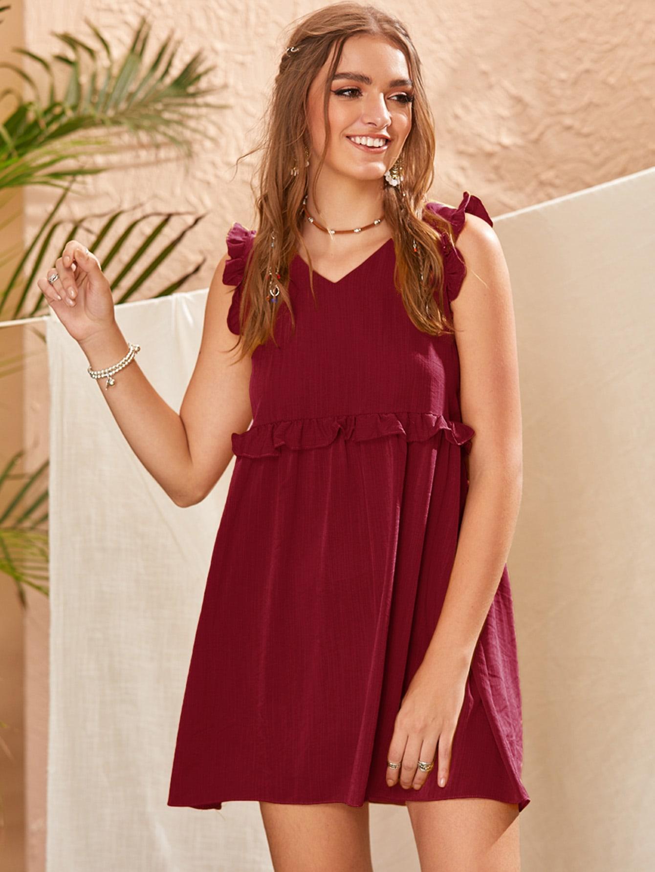 Фото - Однотонное платье с рюшами от SheIn цвет бургундия