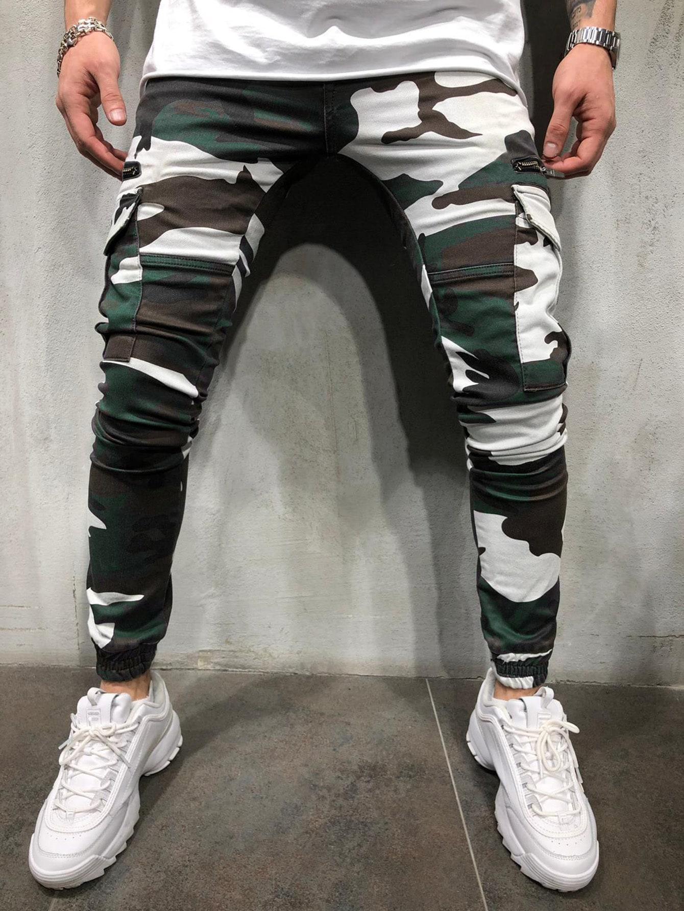 Фото - Мужские камуфляжные спортивные брюки от SheIn цвет многоцветный