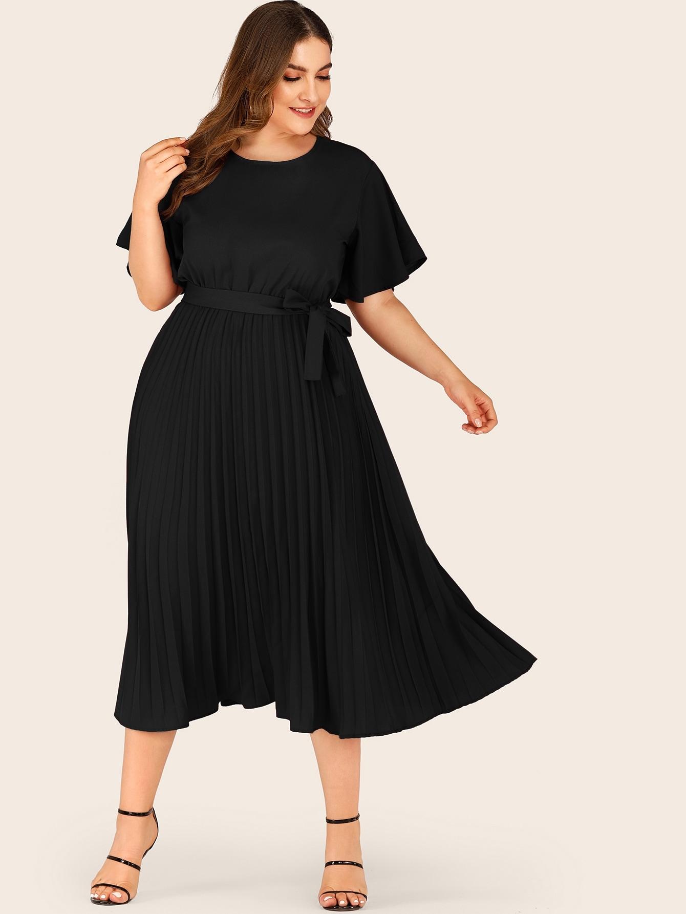 Фото - Платье с поясом и пуговицами размера плюс от SheIn цвет чёрные