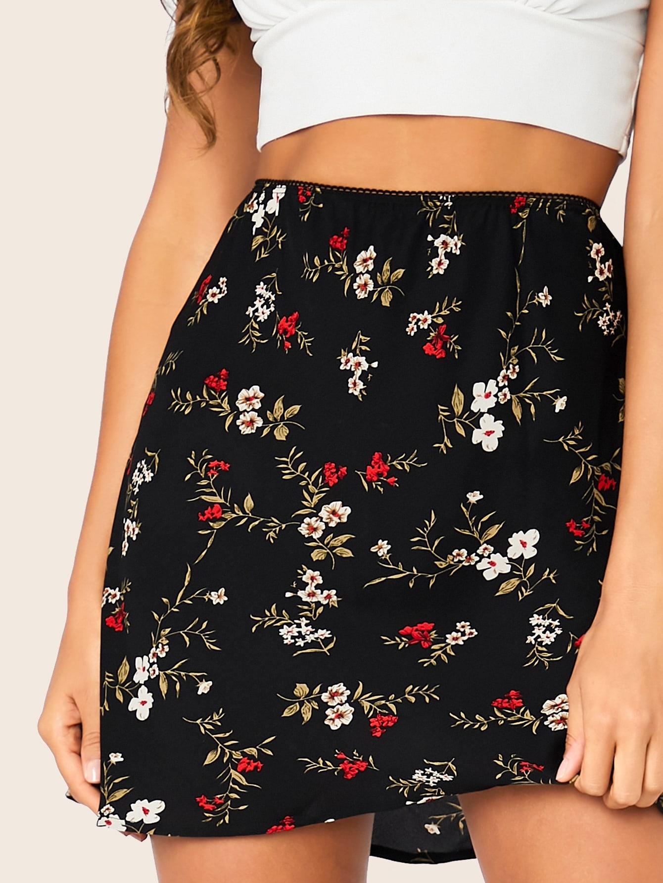 SHEIN / Falda con estampado floral de cintura alta