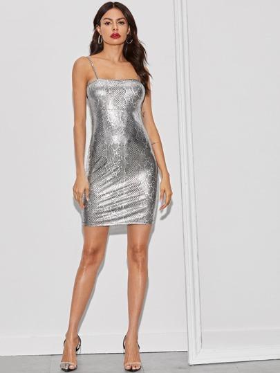 Фото 12 - Стильное платье с фестончатым краем от SheIn цвет чёрные