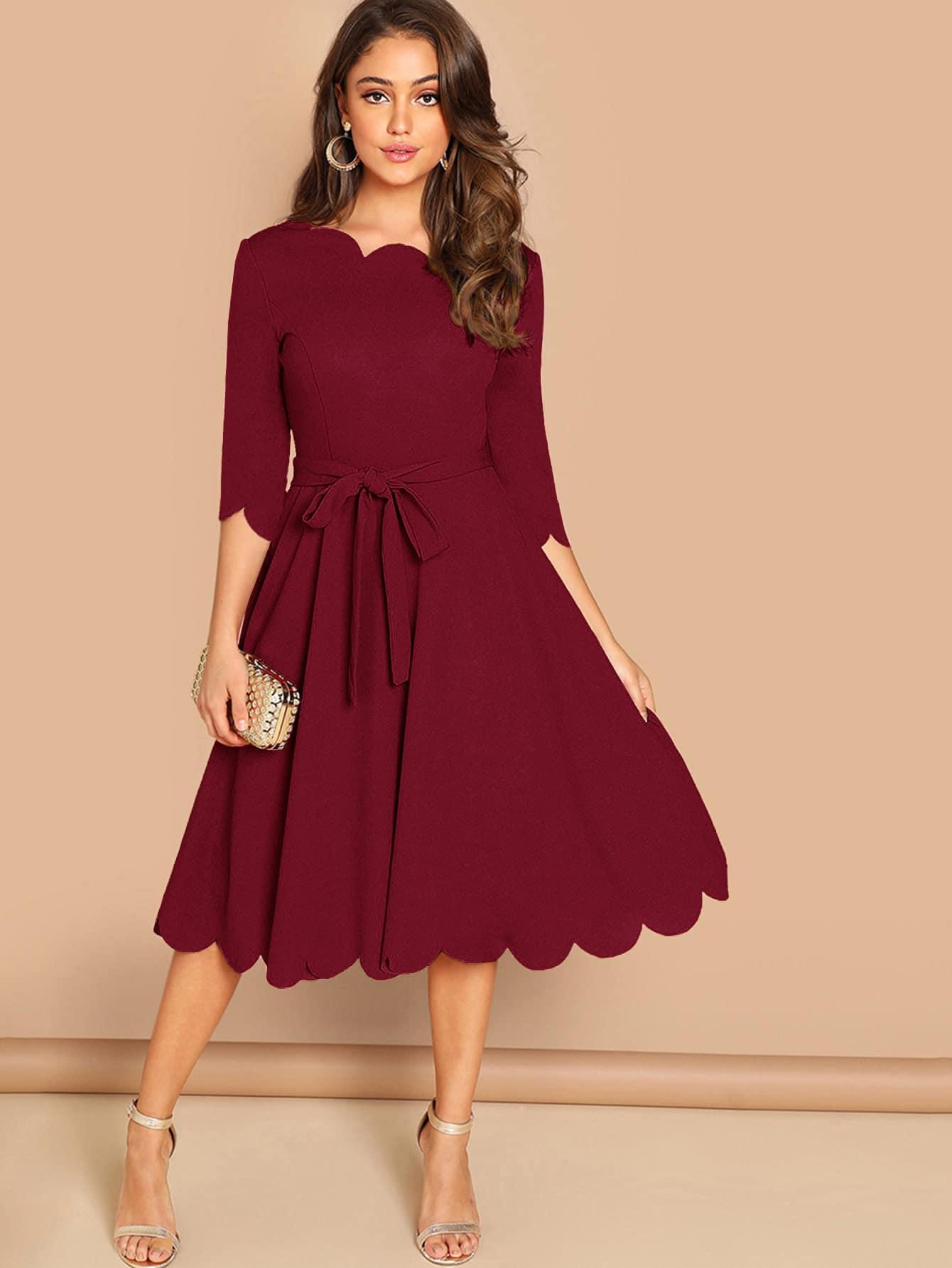 Фото - Однотонное платье с поясом и оригинальной отделкой от SheIn цвет бургундия