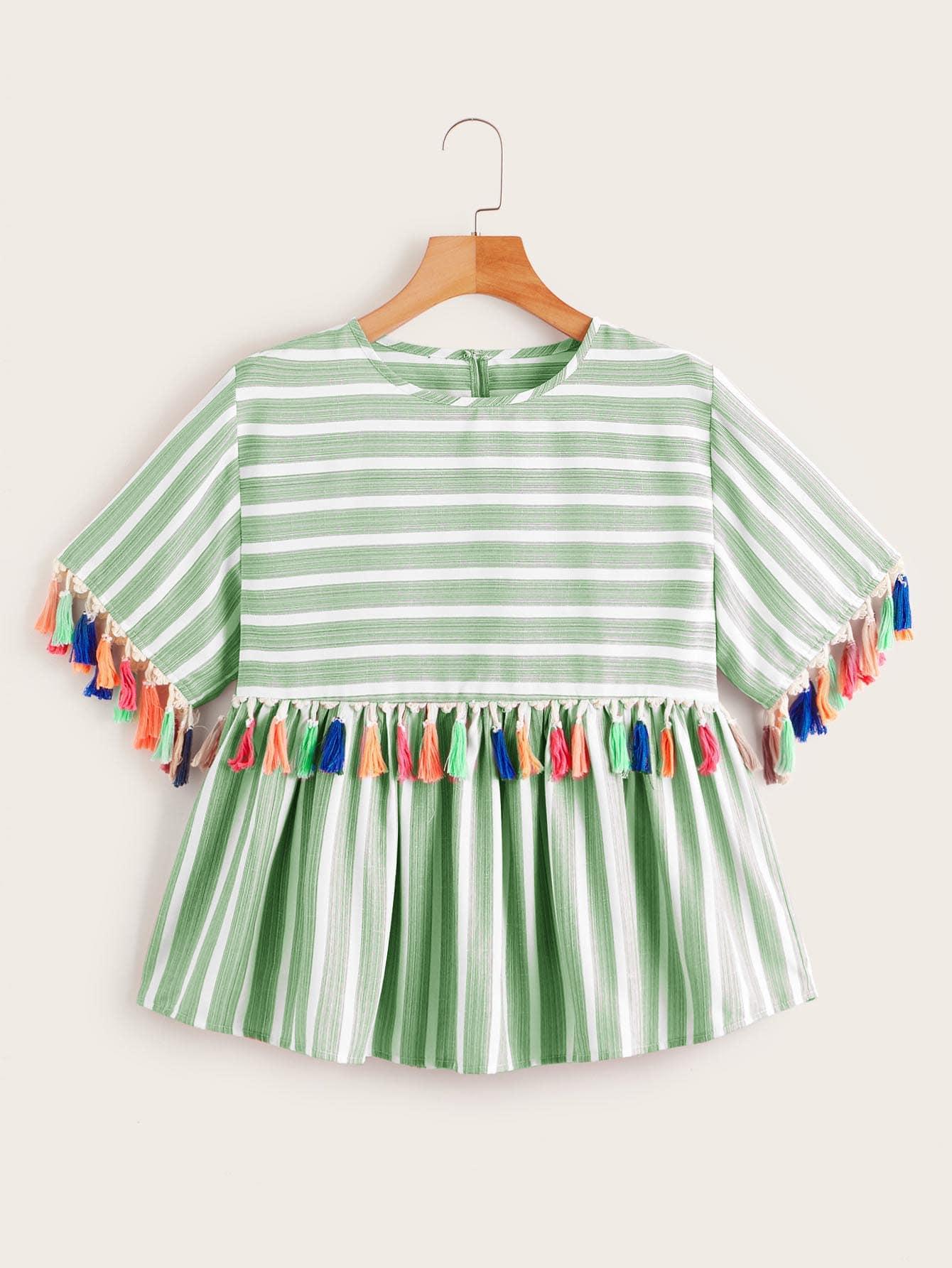 Фото - Блузу в полоску с разноцветной бахромой от SheIn зеленого цвета
