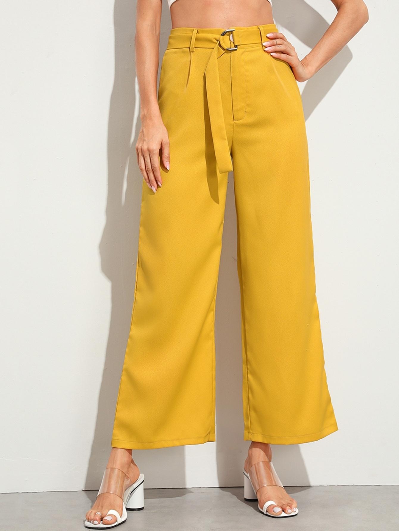 Фото - Однотонные брюки с высокой талией и поясом от SheIn желтого цвета