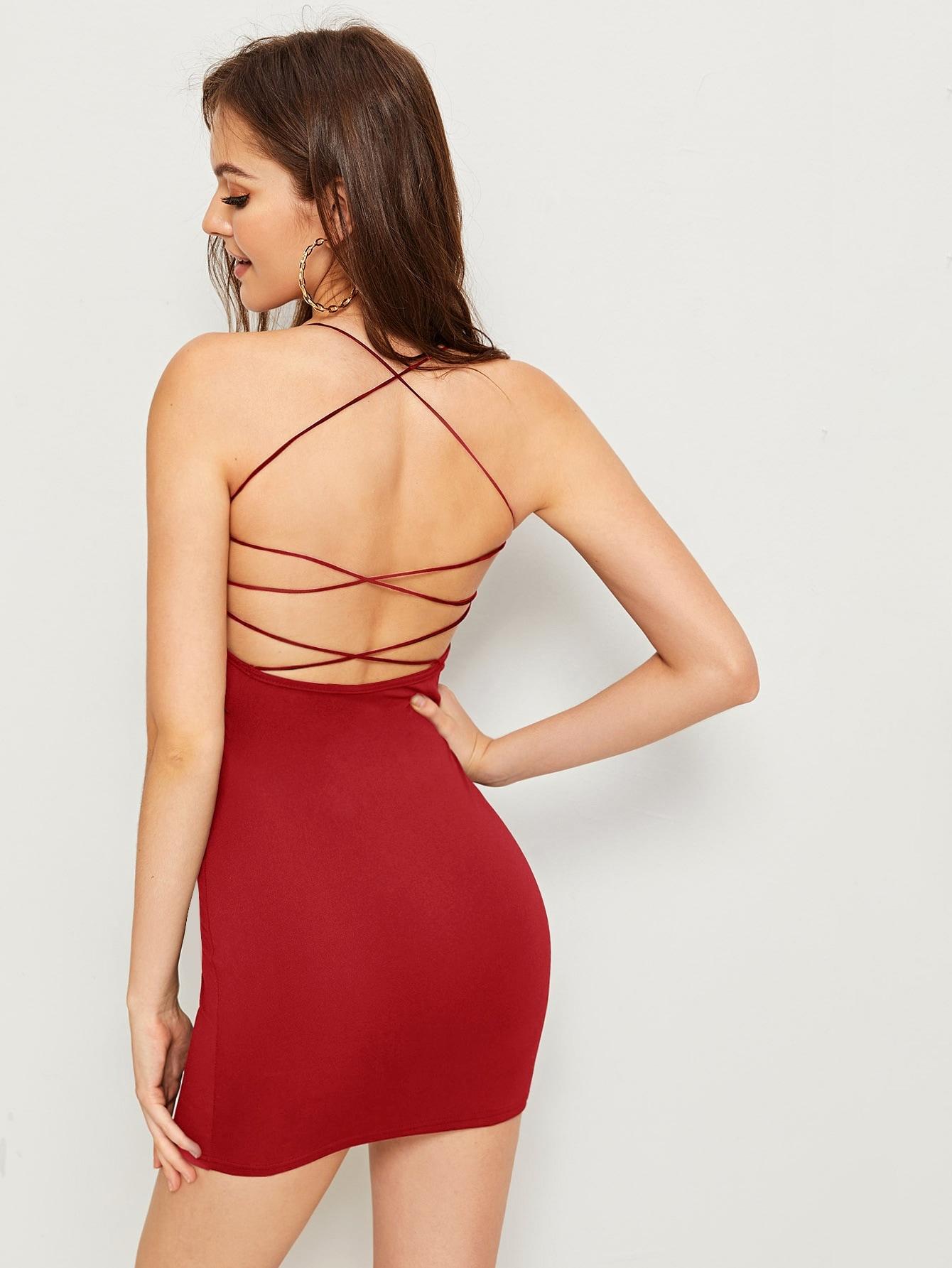 Фото - Однотонное платье на бретелях с открытой спинкой от SheIn цвет красные