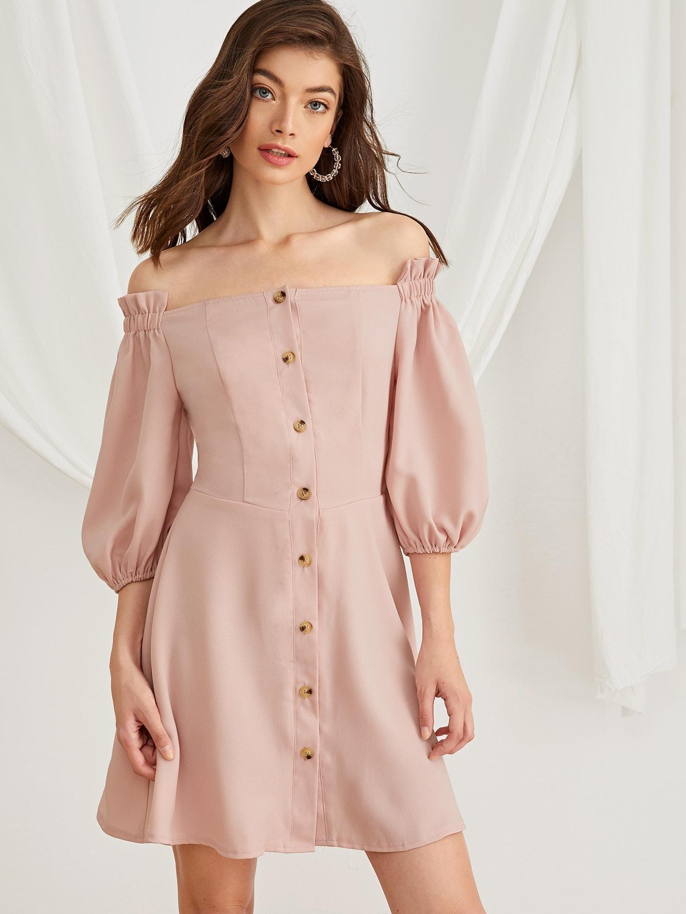 Фото - Платье с пуговицами и открытым плечом от SheIn цвет розовые