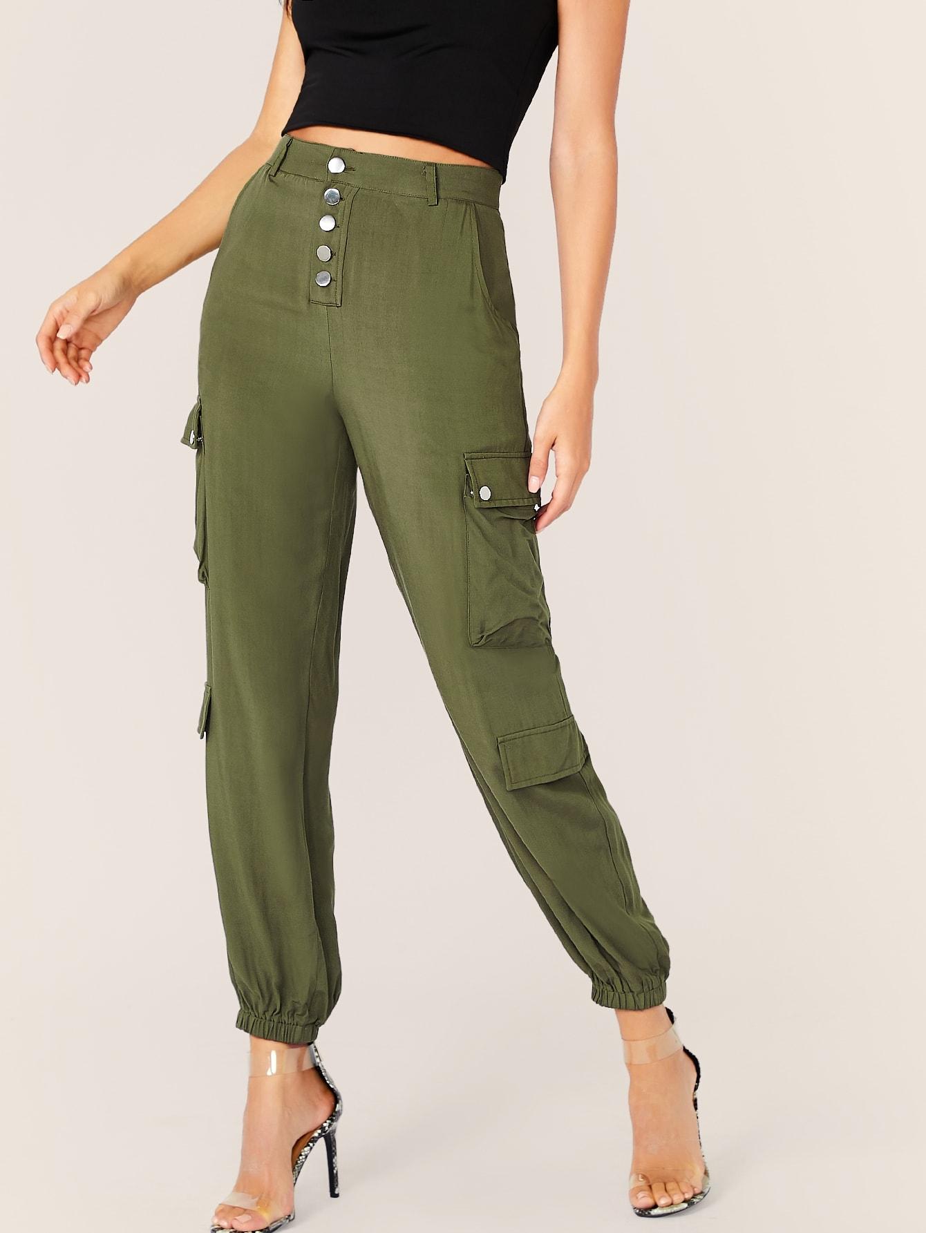 Фото - Однотонные брюки-карго с пуговицами от SheIn цвет цветахаки