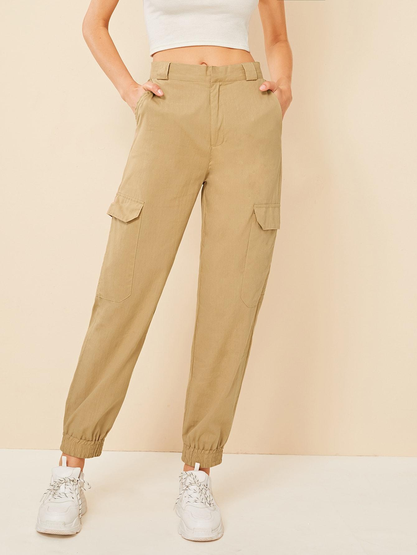Фото - Однотонные брюки-карго с карманом от SheIn цвета хаки