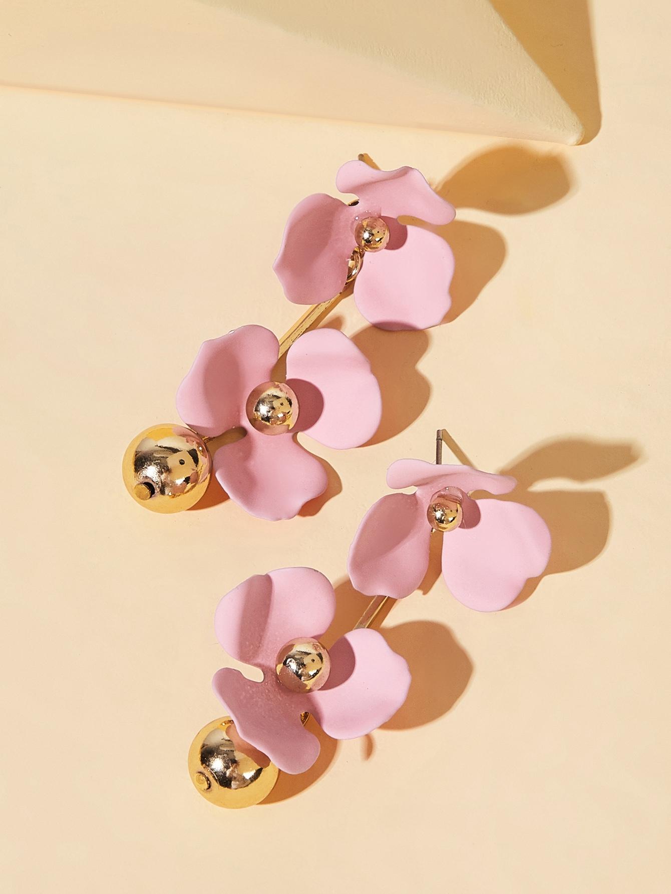 Фото 4 - Серьги-гвоздики с двойным цветочным декором 1 пара от SheIn розового цвета