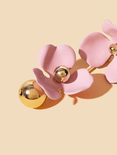 Фото 6 - Серьги-гвоздики с двойным цветочным декором 1 пара от SheIn розового цвета