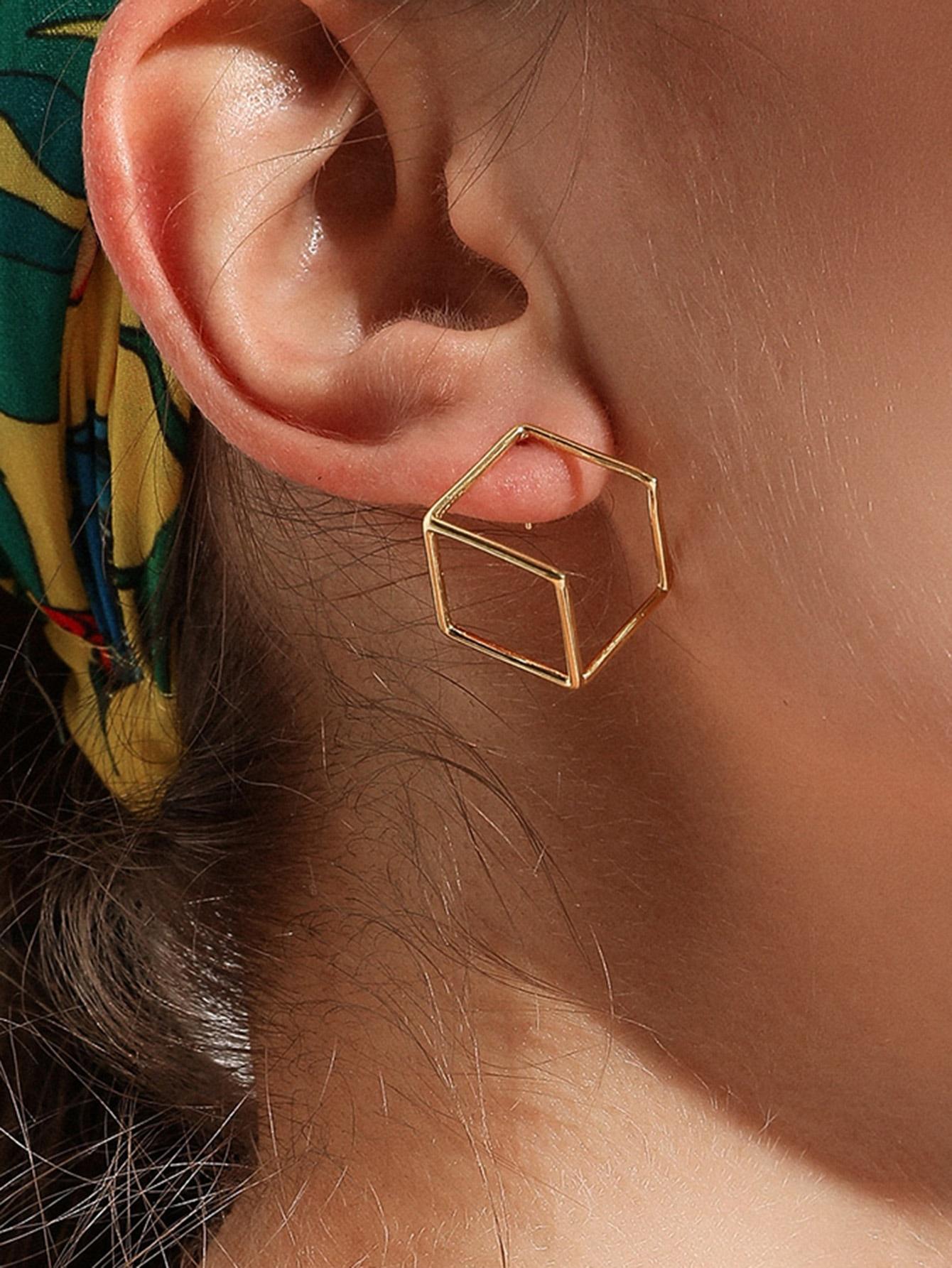 Фото - Открытые серьги с полигонами 1пара от SheIn цвет золотые