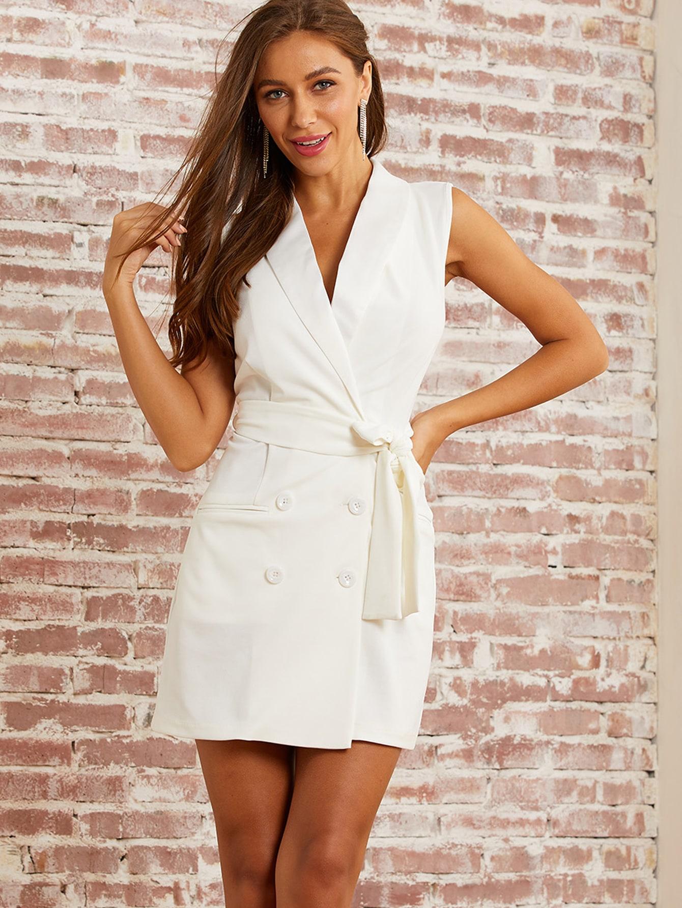 Фото - Однотонное платье с поясом и пуговицами от SheIn белого цвета