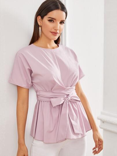 Фото 12 - Атласное платье с пышными рукавами и поясом от SheIn цвета хаки