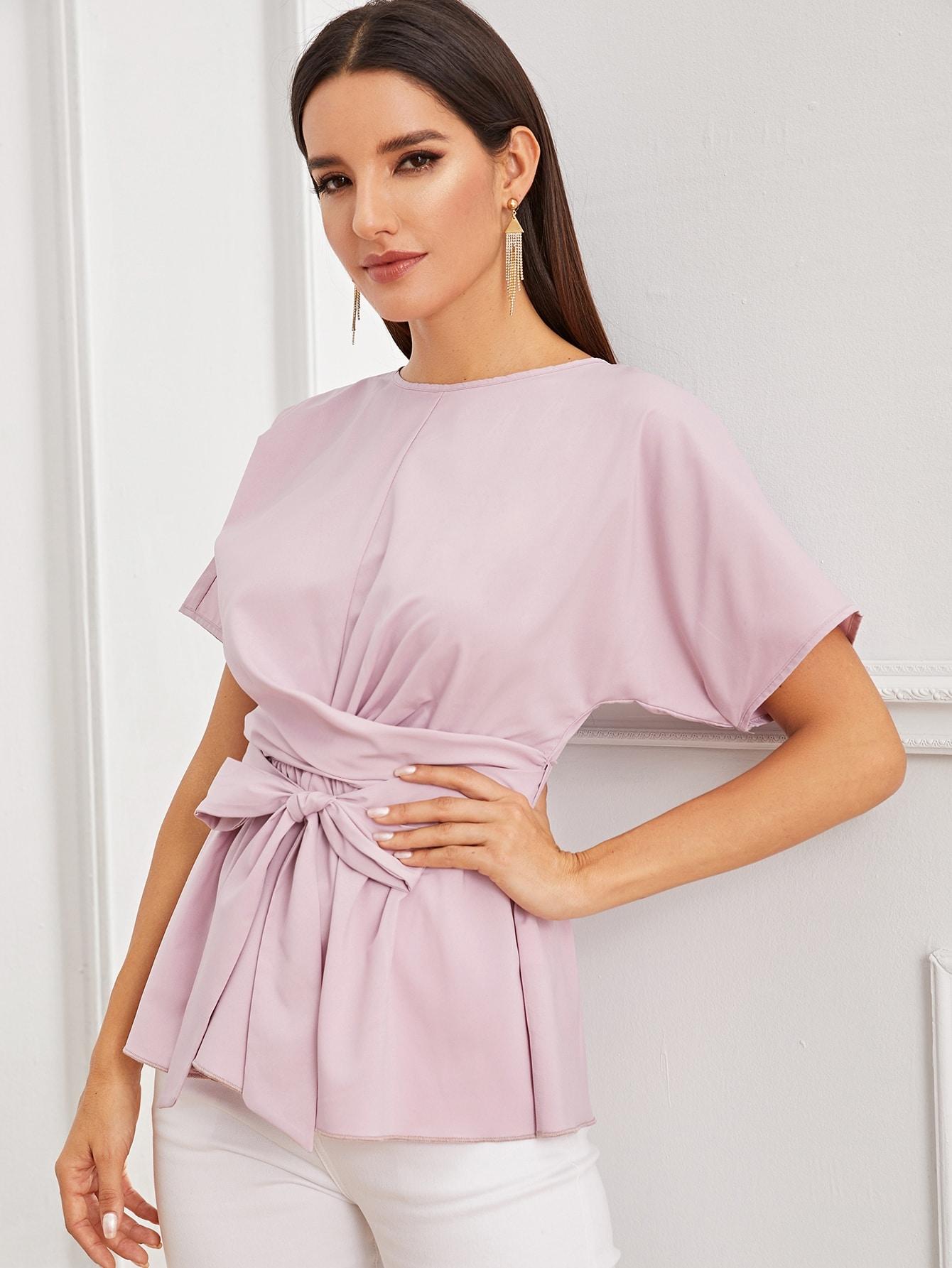 Фото 11 - Атласное платье с пышными рукавами и поясом от SheIn цвета хаки