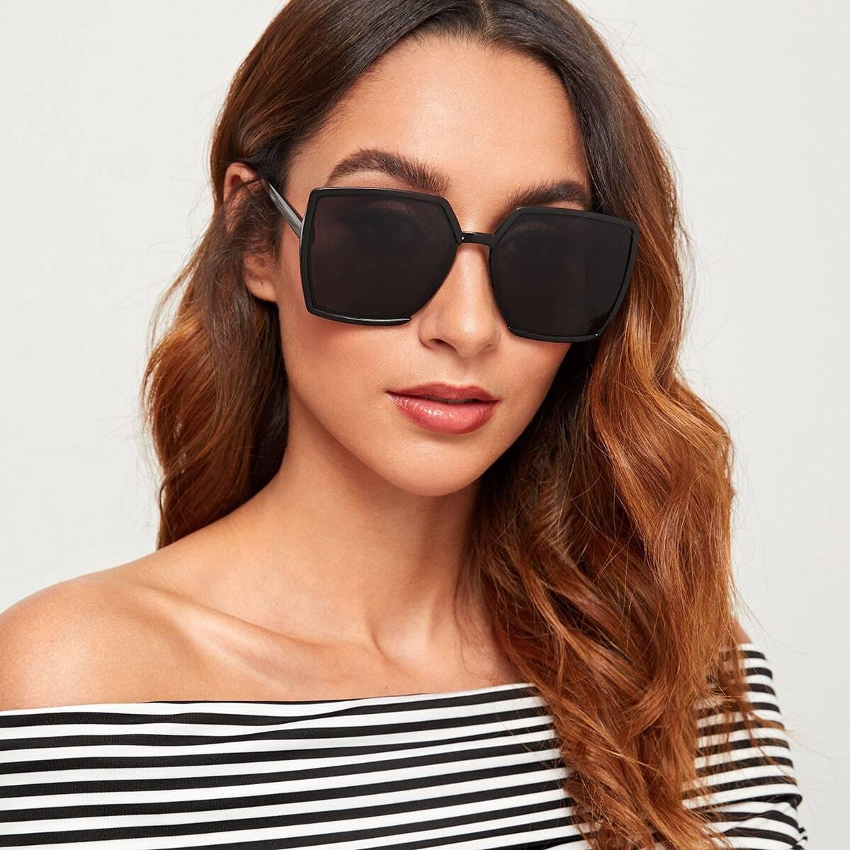 Простые квадратные солнцезащитные очки