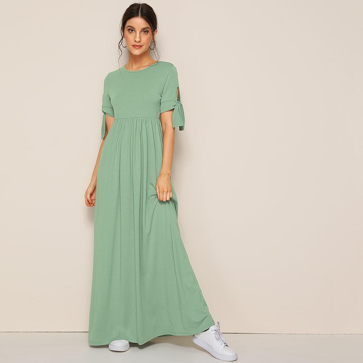 Расклешенное платье с узлом и высокой талией Image