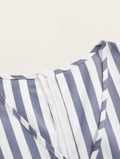 Фото 17 - Мужская рубашка с контрастной отделкой от SheIn черного цвета