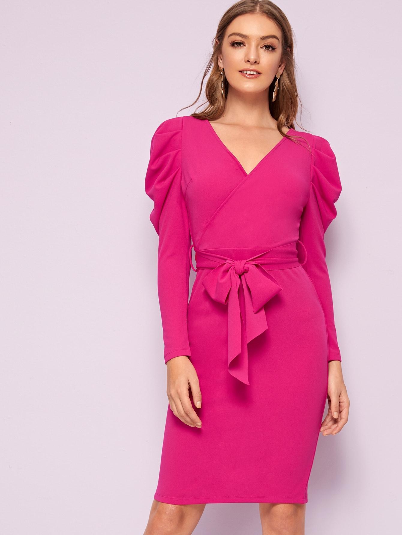 Фото - Платье с оригинальным рукавом и поясом от SheIn цвет розовые