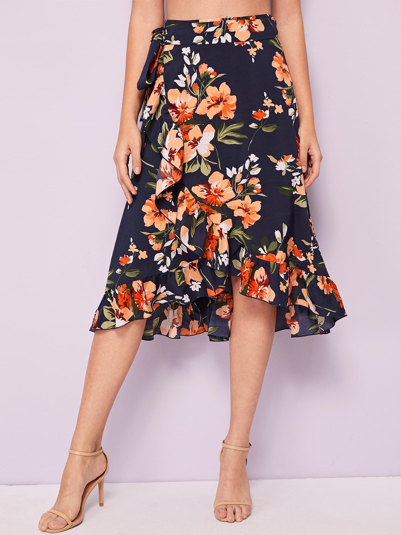 Фото - Асимметричная юбка с цветочным принтом и поясом от SheIn цвет многоцветный