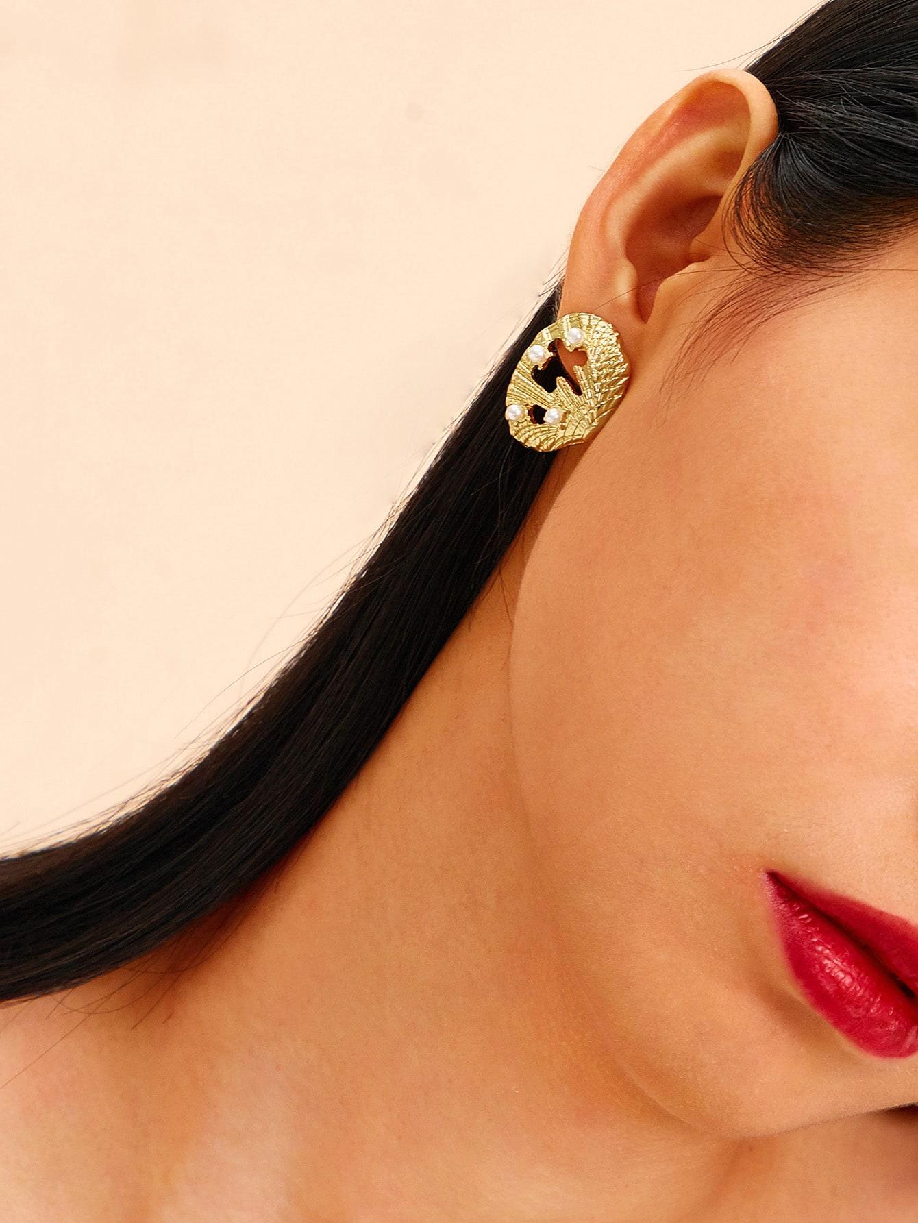 Фото - Серьги в форме раковины с искусственным жемчугом 1 пара от SheIn цвет золотые