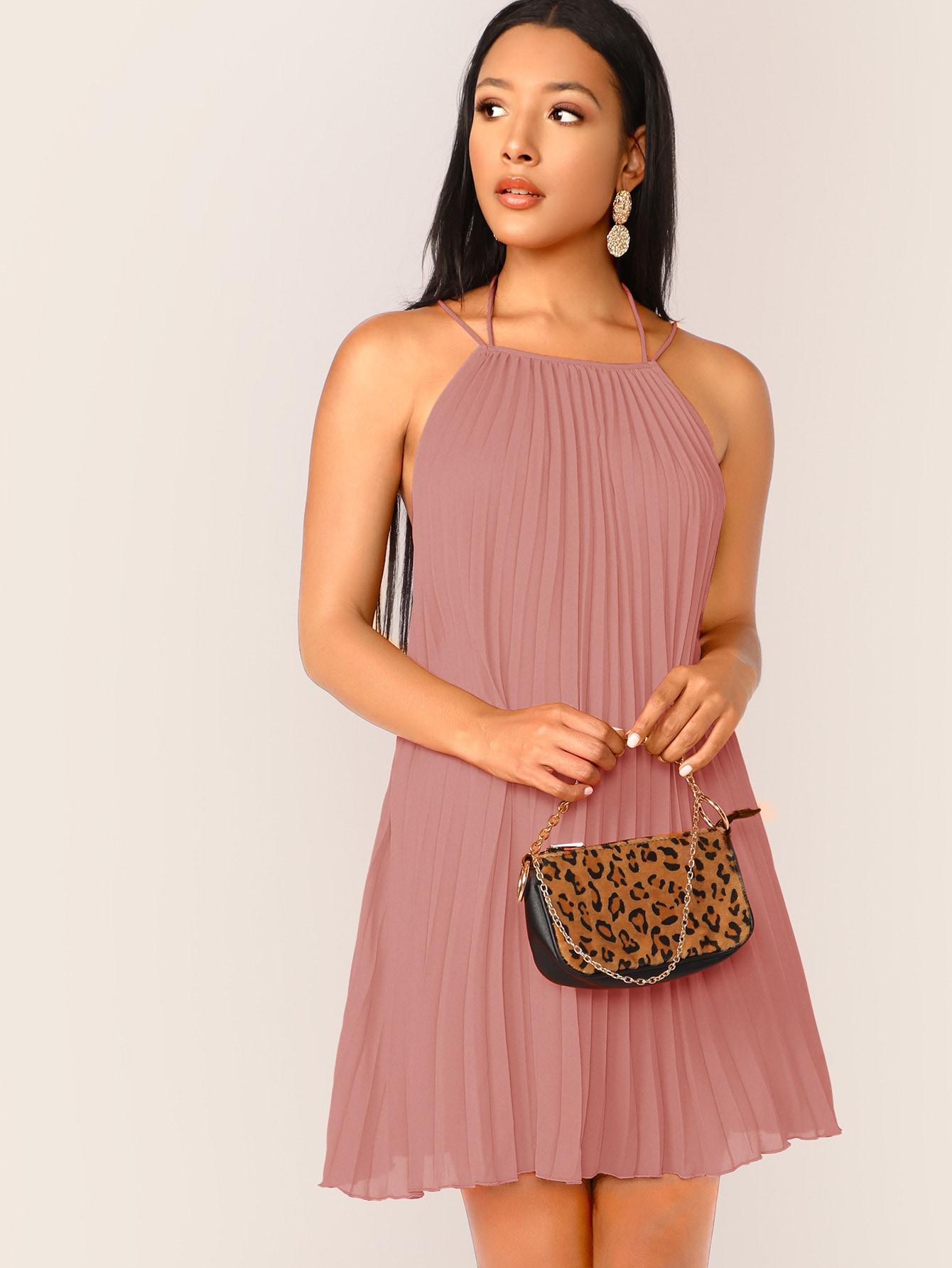 Фото - Платье с халтером и завязкой на шее от SheIn цвет розовые