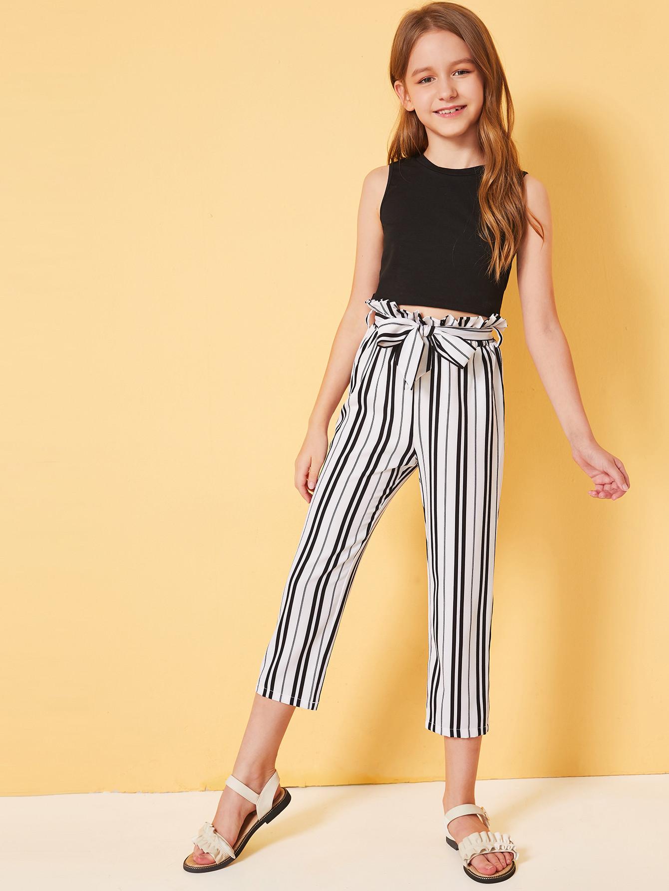 Фото - Приталенный топ и полосатые шорты с присборенной талией для девочек от SheIn цвет чёрнобелые