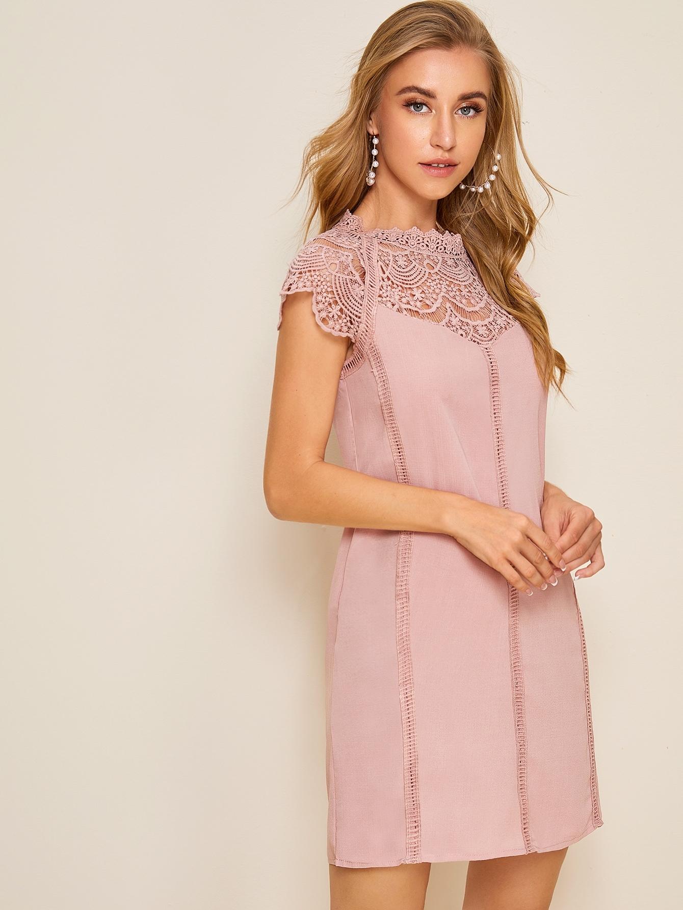 Фото - Платье с кружевом и застежкой сзади от SheIn цвет розовые
