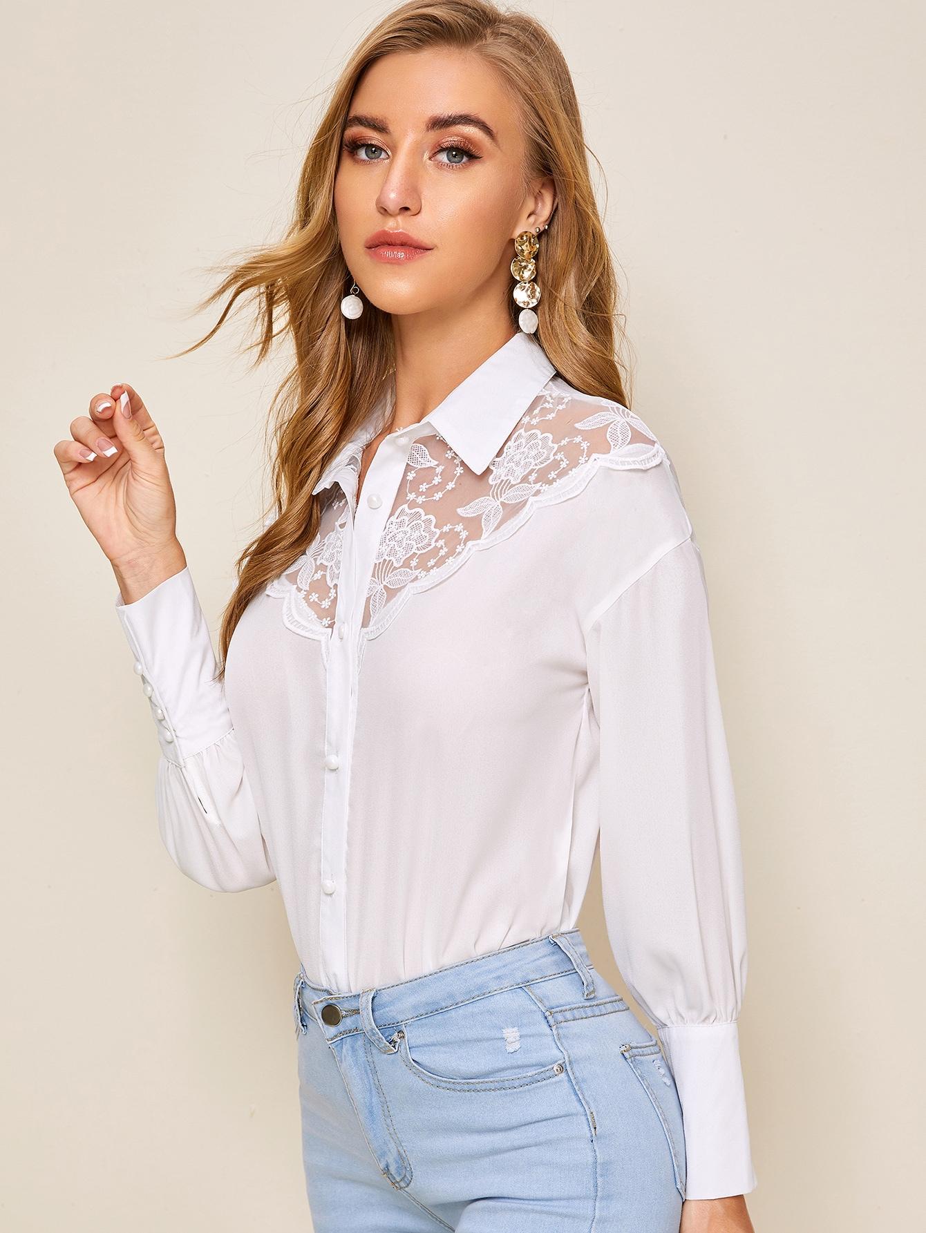Фото - Блузу с сетчатыми вставками и вышивкой от SheIn белого цвета