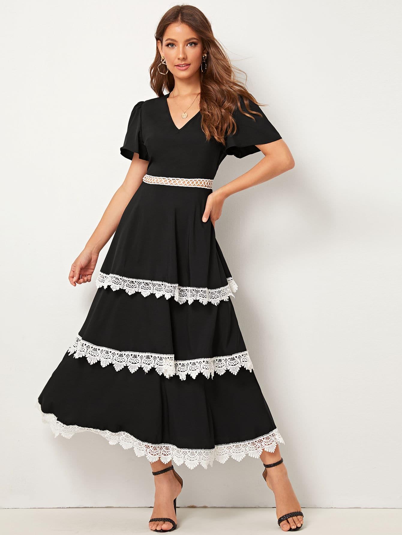 Фото - Платье с кружевной отделкой и многослойными оборками от SheIn цвет чёрные