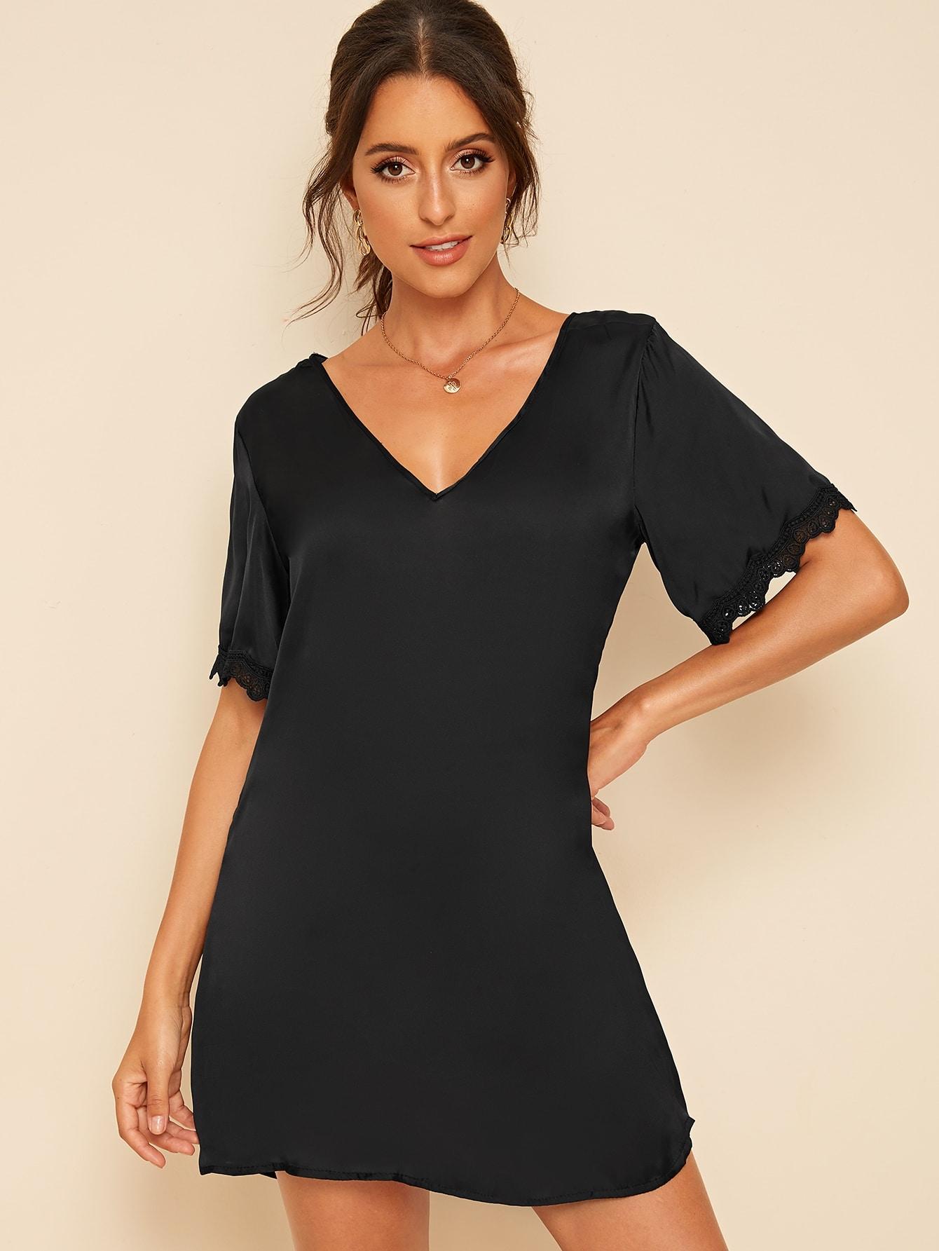 Фото - Однотонное платье с кружевной вставкой от SheIn цвет чёрные