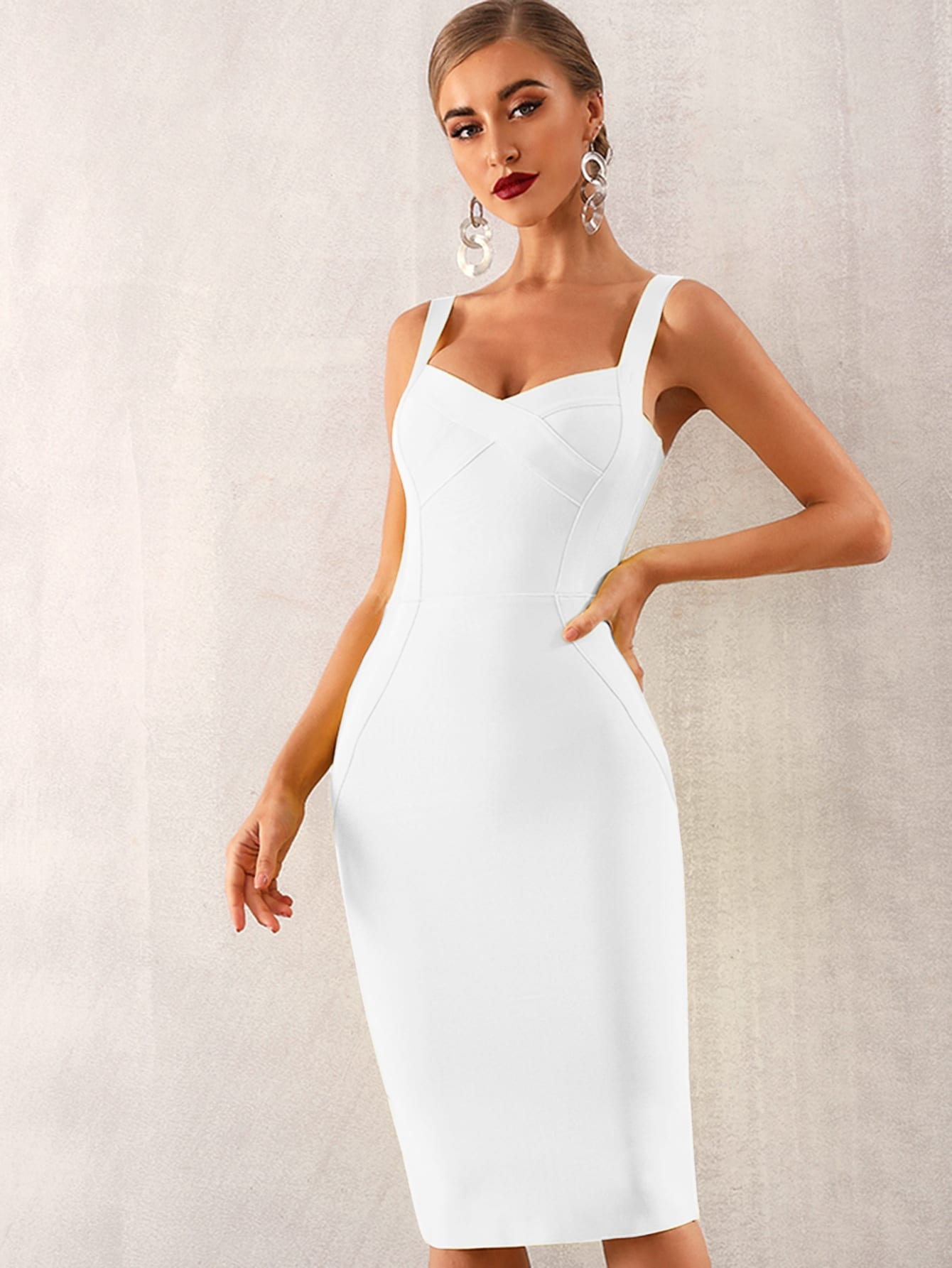 Фото - Adyce однотонное бандажное платье на бретелях от SheIn цвет белые