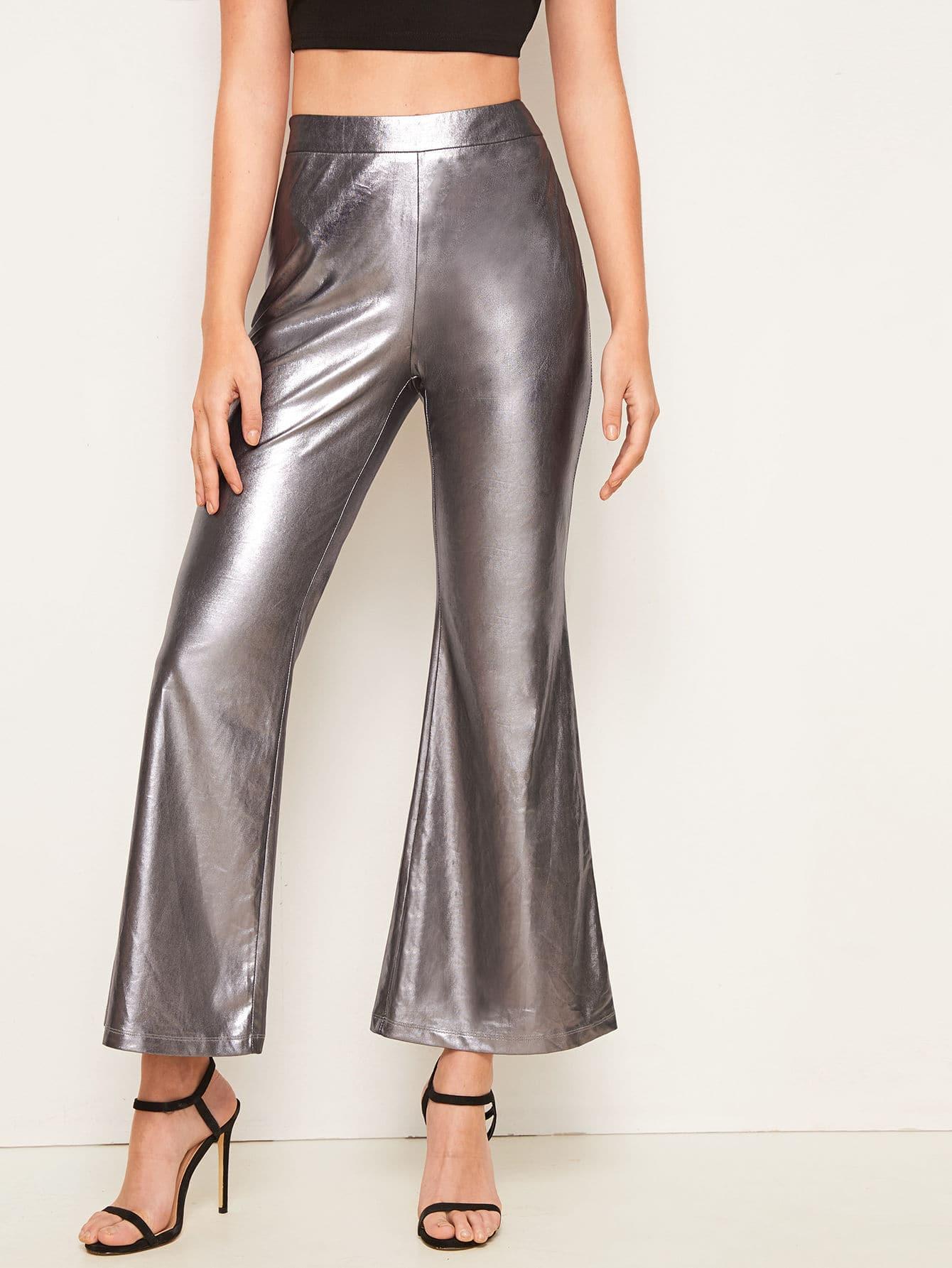Фото - Расклешенные брюки металлическогоцвета с высокой талией от SheIn серого цвета