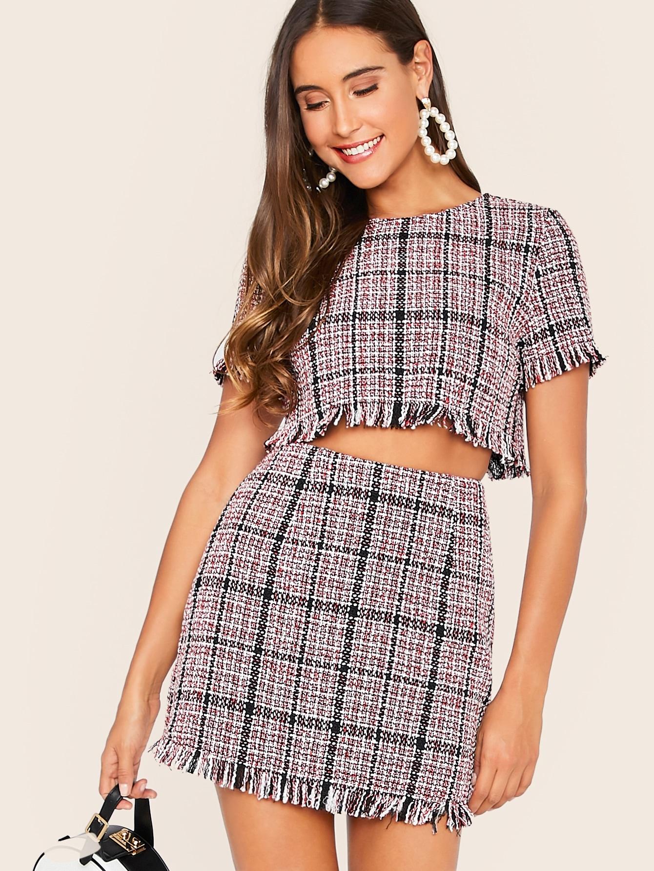 Фото - Топ с застежкой сзади, необработанным низом и юбка от SheIn цвет многоцветный