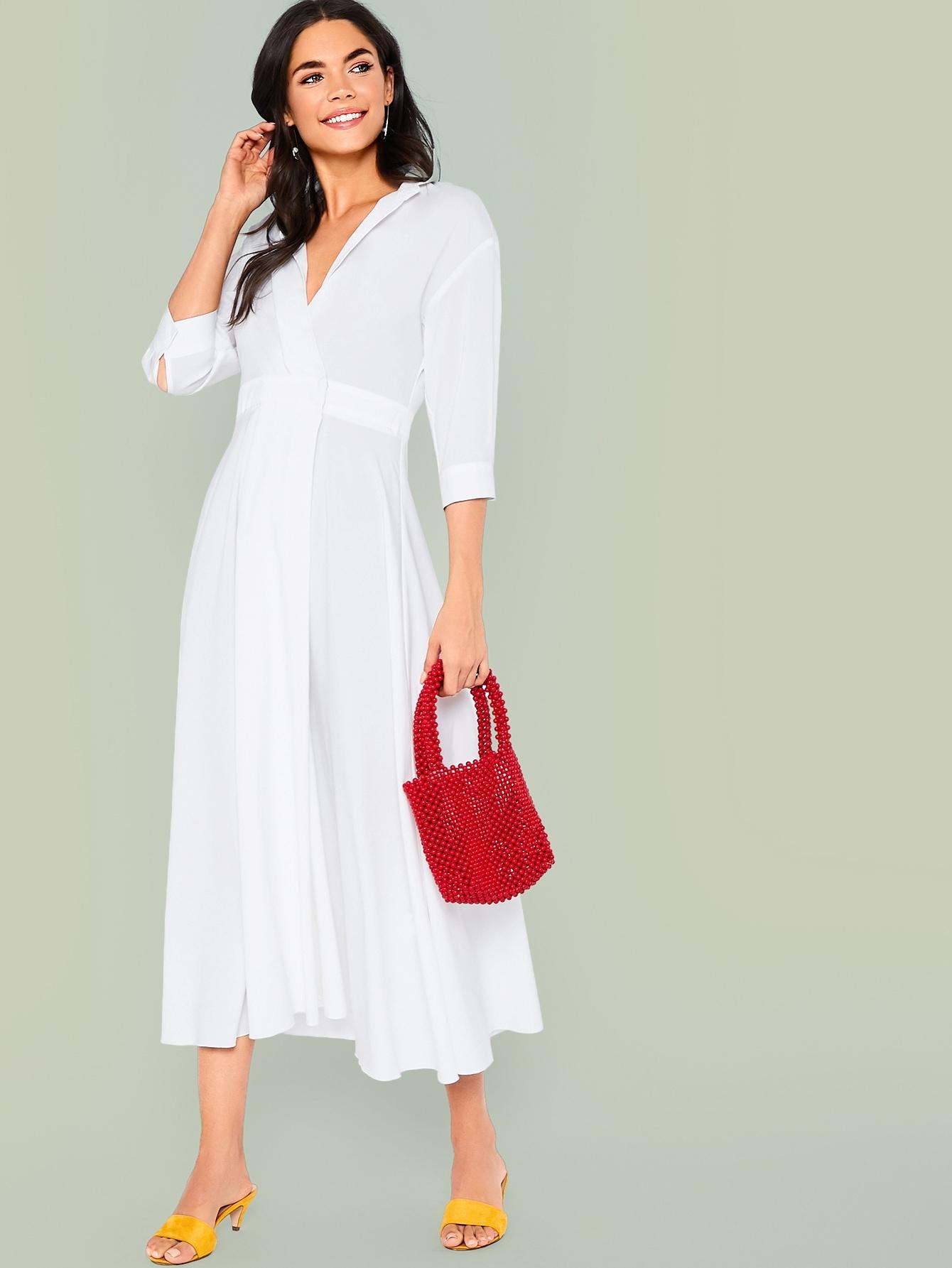 Фото - Приталенное расклешенное платье на запах с разрезом на шее от SheIn цвет белые