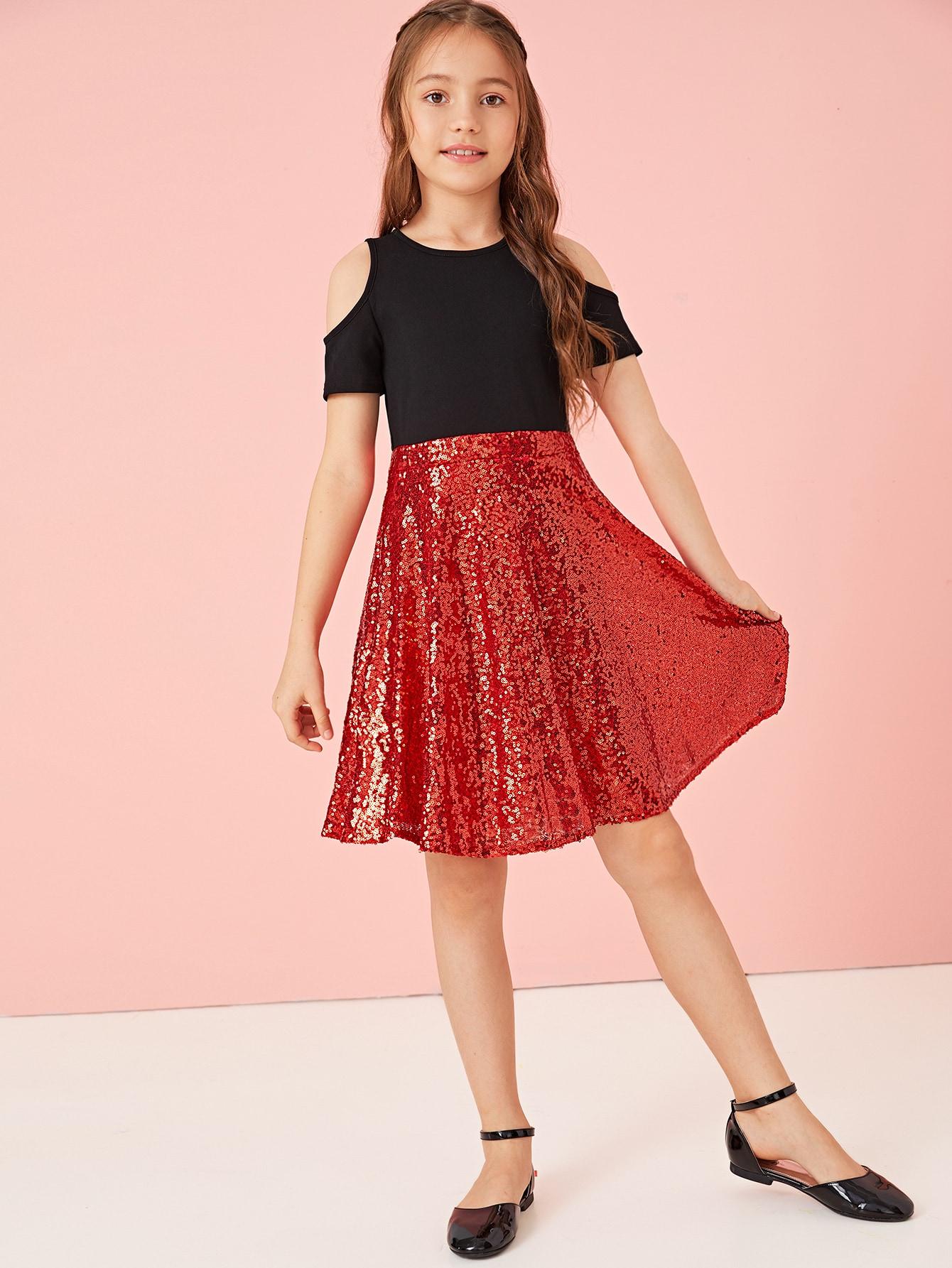 Фото - Расклешенное платье с блестками и открытым плечом для девочек от SheIn цвет многоцветный