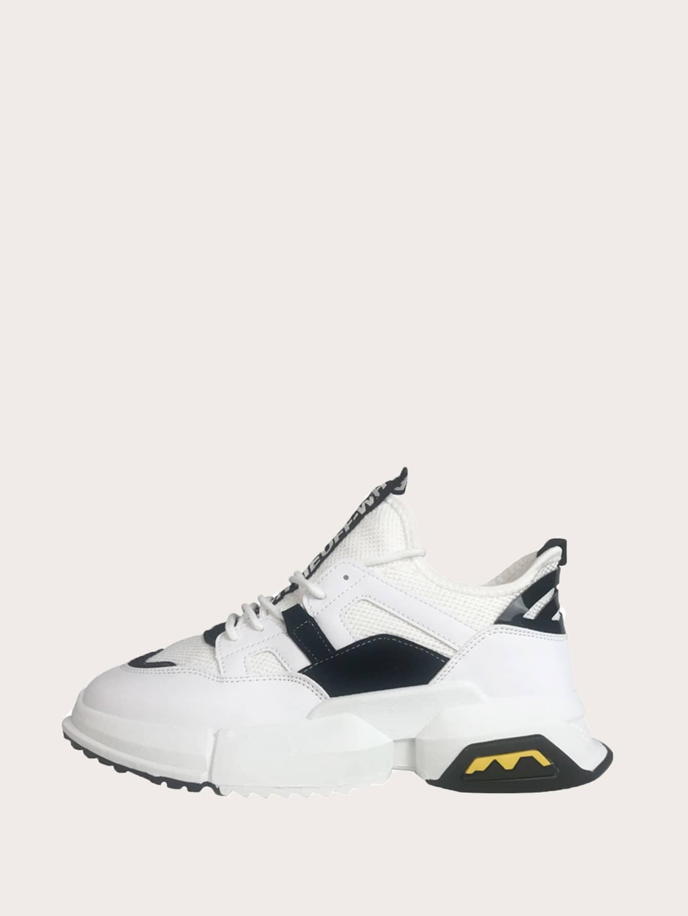 Фото - Мужские кроссовки на шнуровке от SheIn цвет чёрнобелые