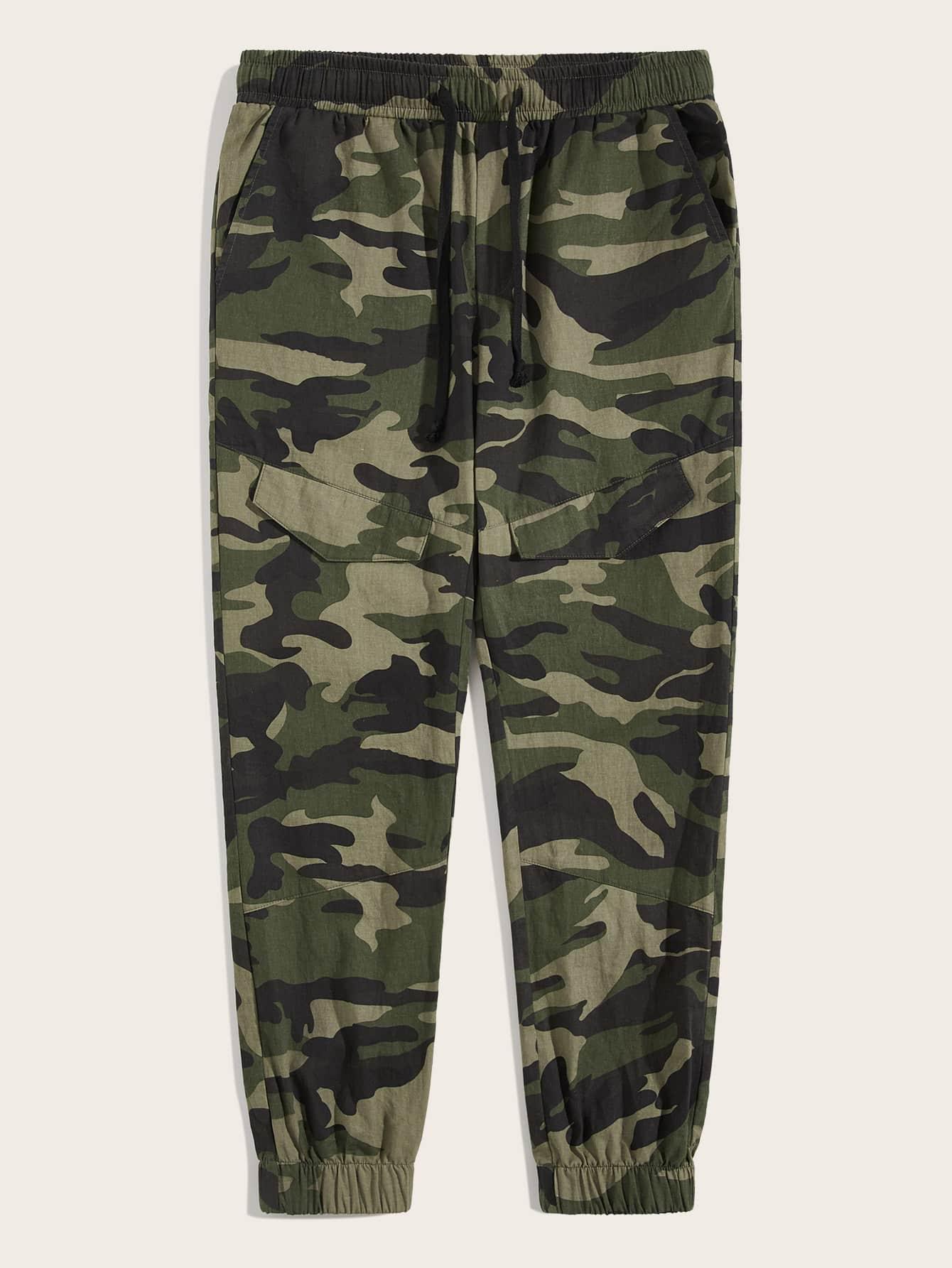 Фото - Мужские брюки на кулиске с камуфляжным принтом от SheIn цвет многоцветный