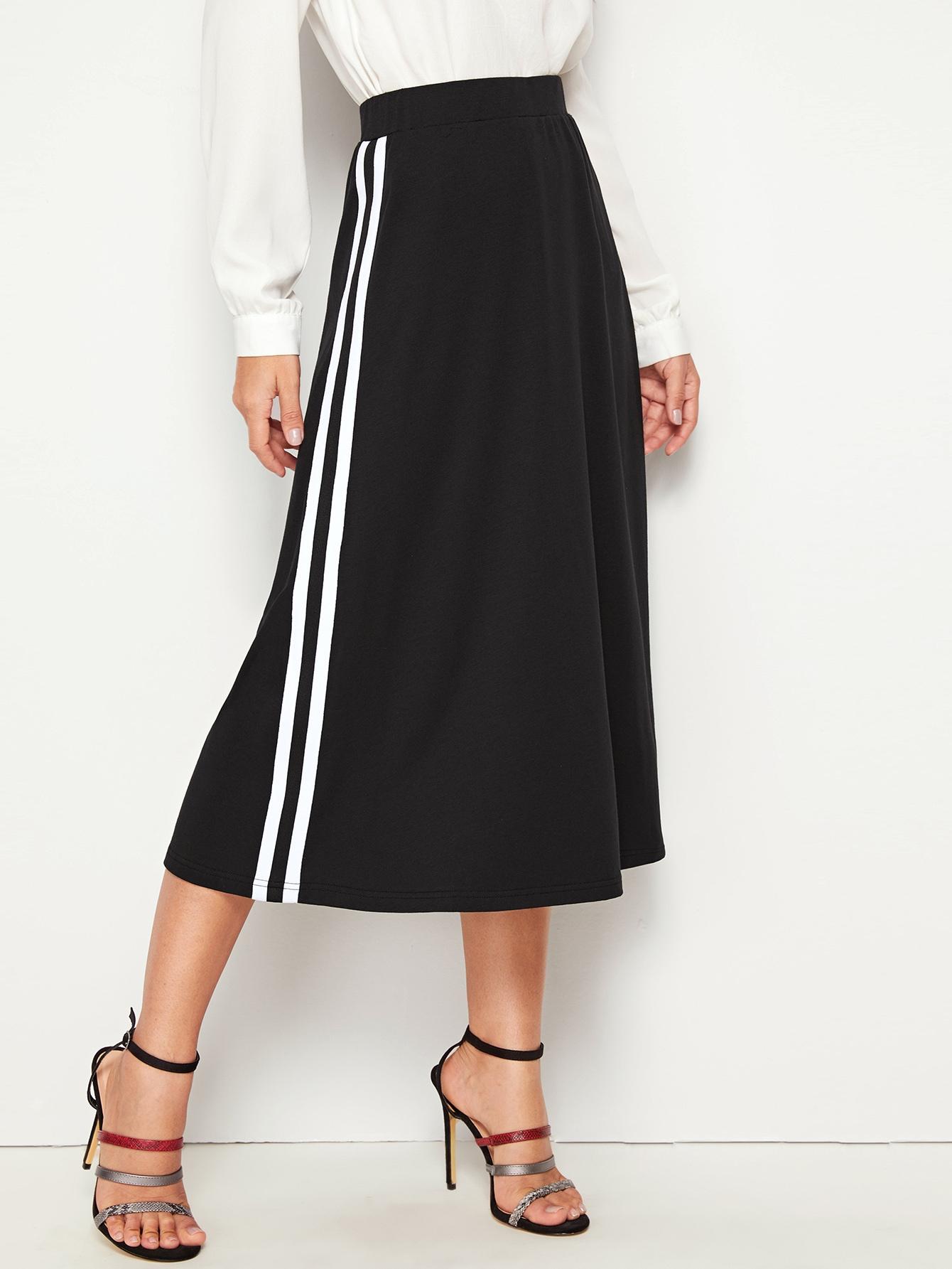 Фото - Юбку с высокой талией и полосками от SheIn черного цвета