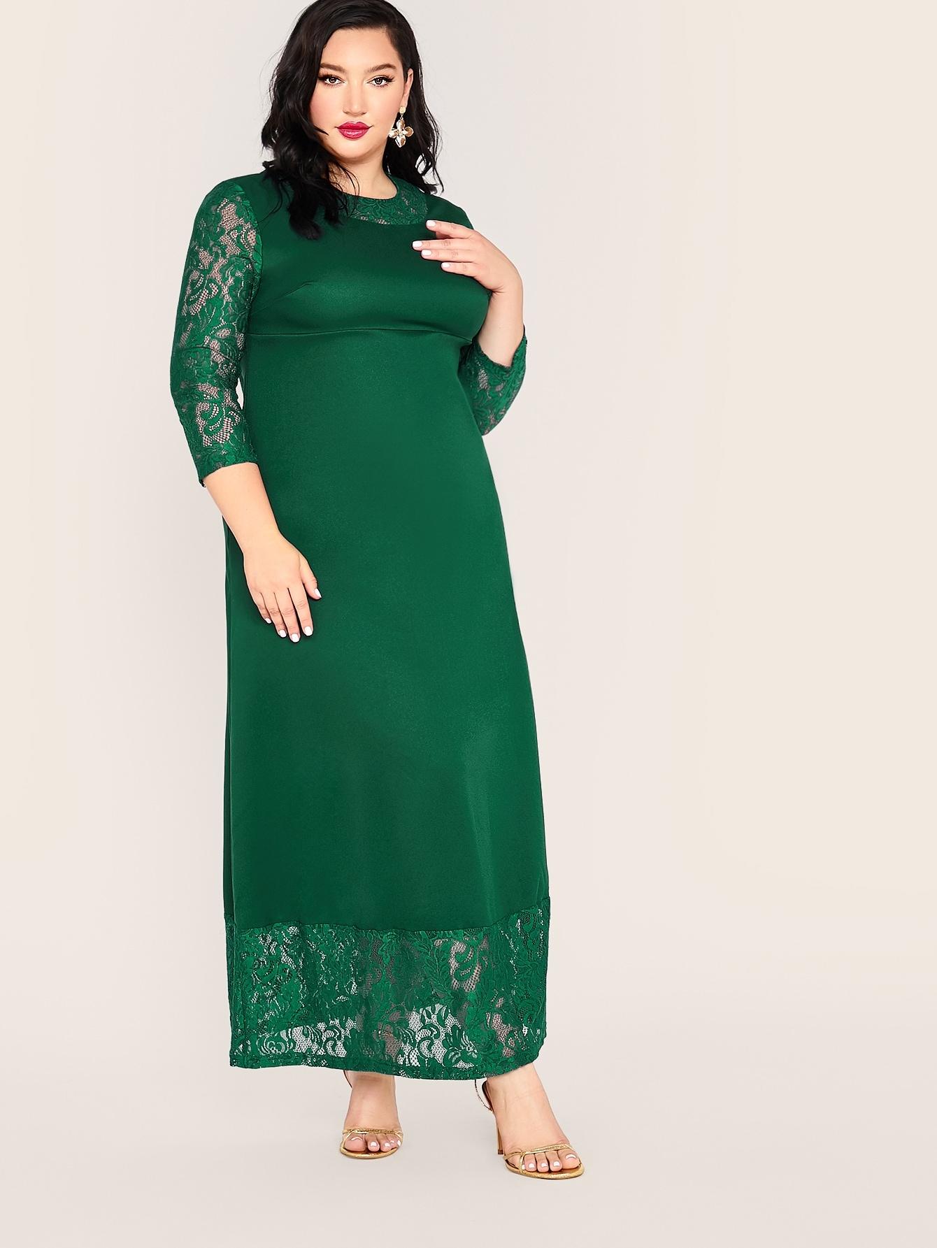 Однотонное платье с кружевной вставкой размера плюс