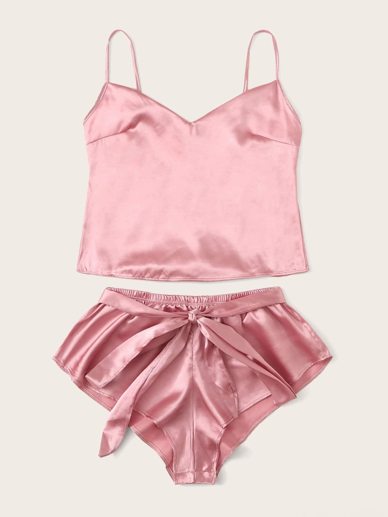 Фото - Атласная пижама на бретелях и шорты с поясом от SheIn цвет розовые