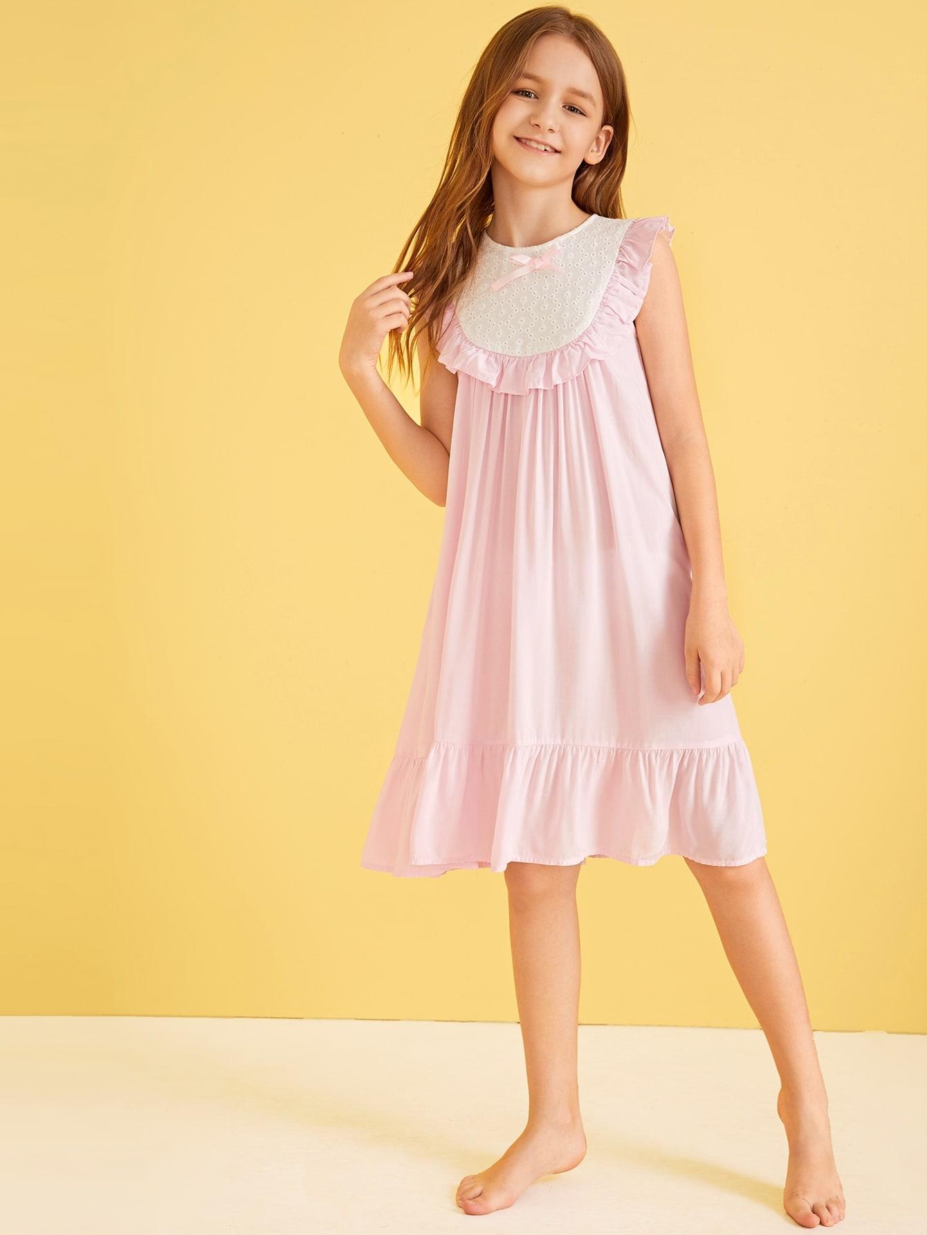 Фото 5 - Однотонное вязаное платье с халтером от SheIn цвет розовые
