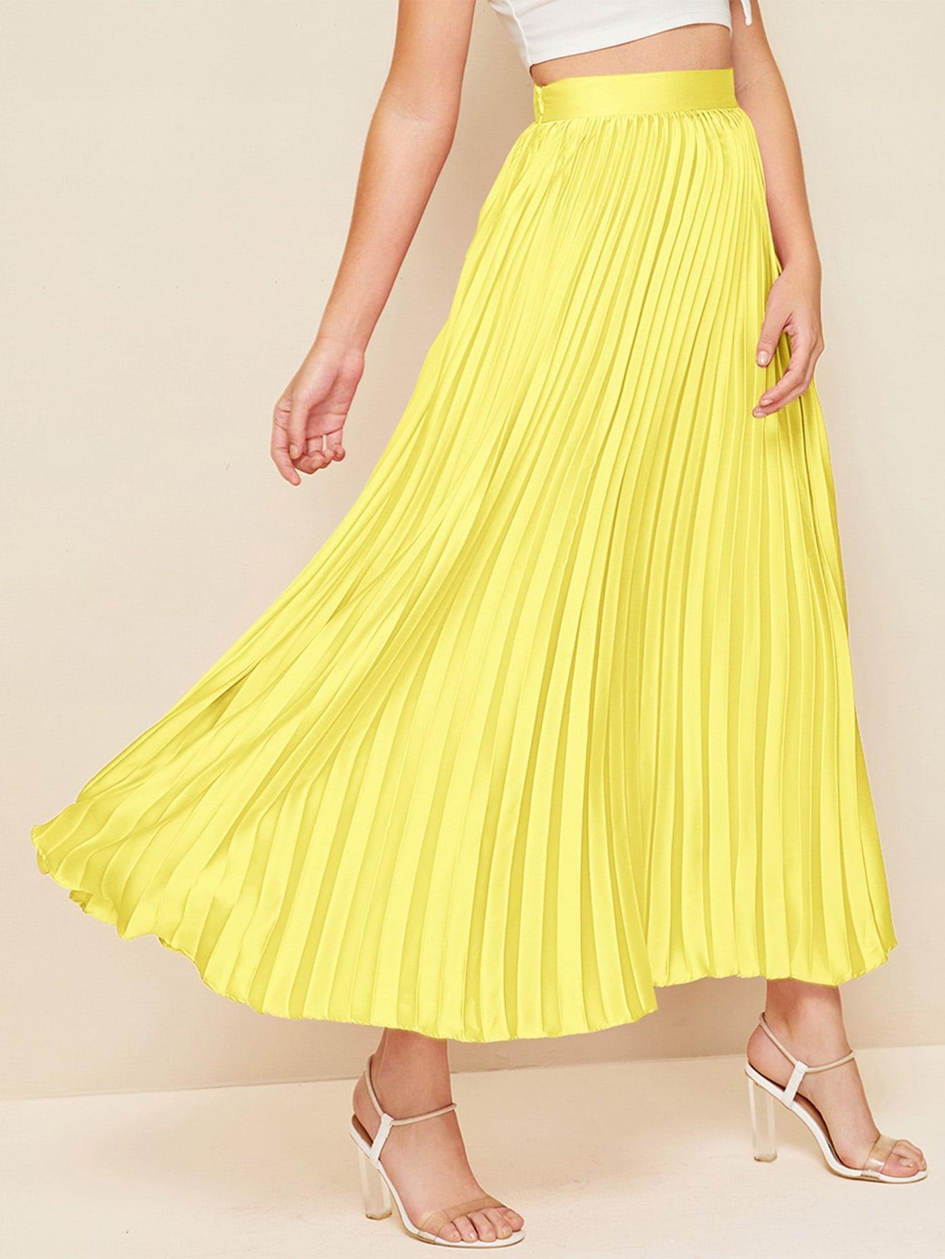 Фото - Атласная юбка с молнией от SheIn желтого цвета