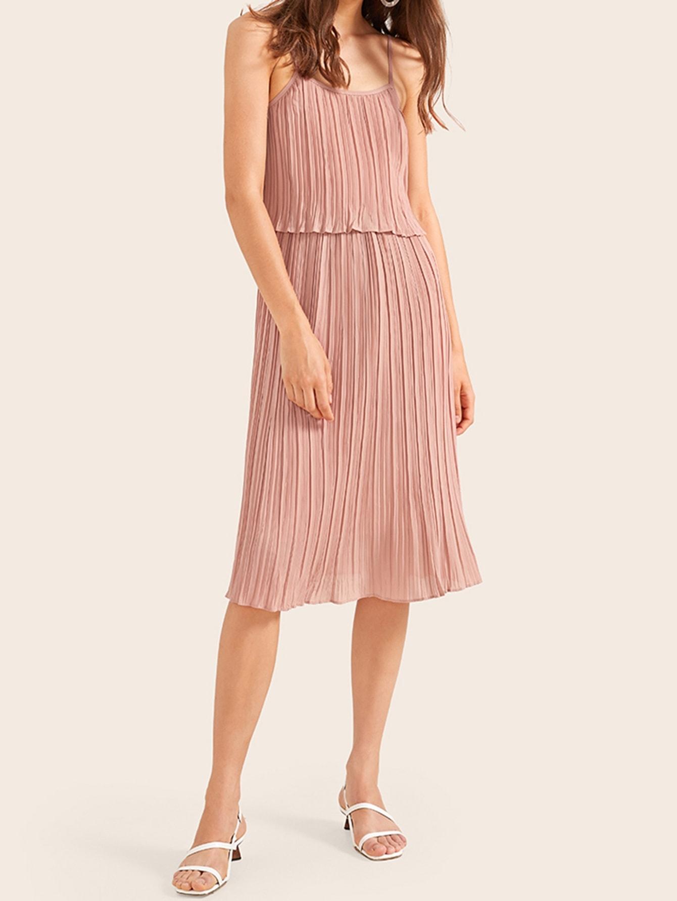 Фото - Однотонное платье на бретелях от SheIn цвет розовые