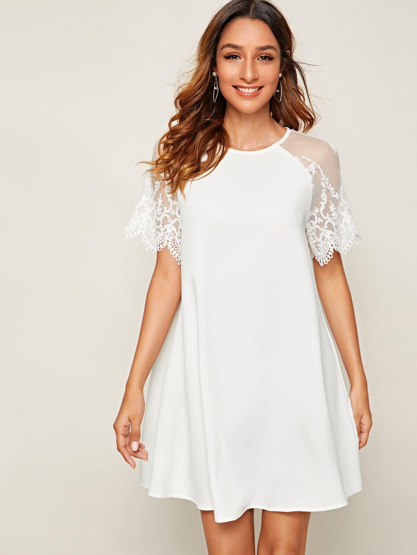 Фото - Платье с сетчатым рукавом и вышивкой от SheIn цвет белые