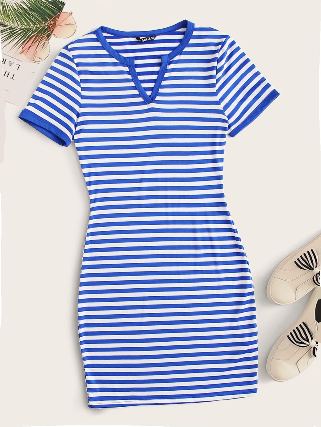 Фото - Полосатое платье с разрезом на воротнике от SheIn цвет синие