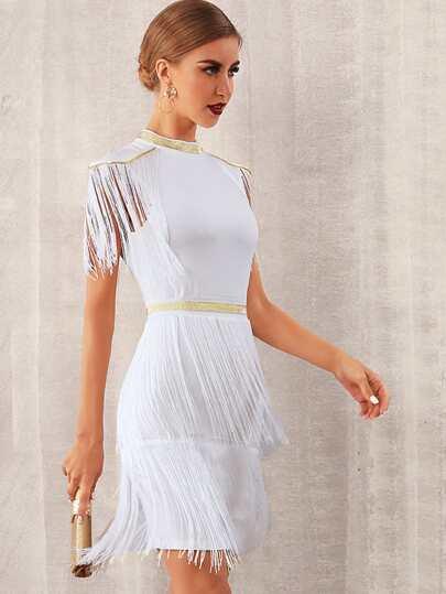 Фото 4 - Однотонное платье с оригинальной отделкой от SheIn цвет бургундия
