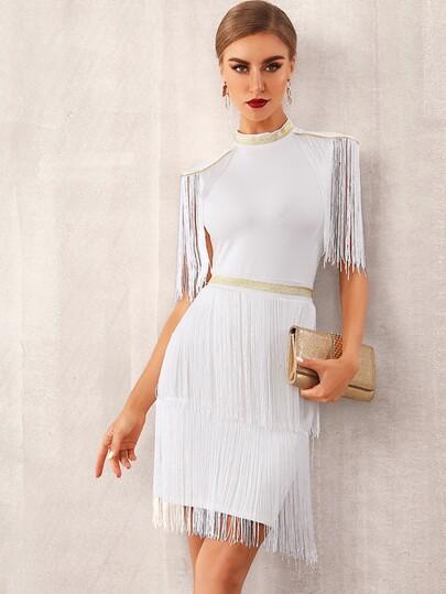 Фото 3 - Однотонное платье с оригинальной отделкой от SheIn цвет бургундия