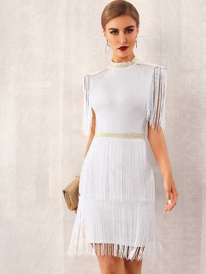 Фото 6 - Однотонное платье с оригинальной отделкой от SheIn цвет бургундия