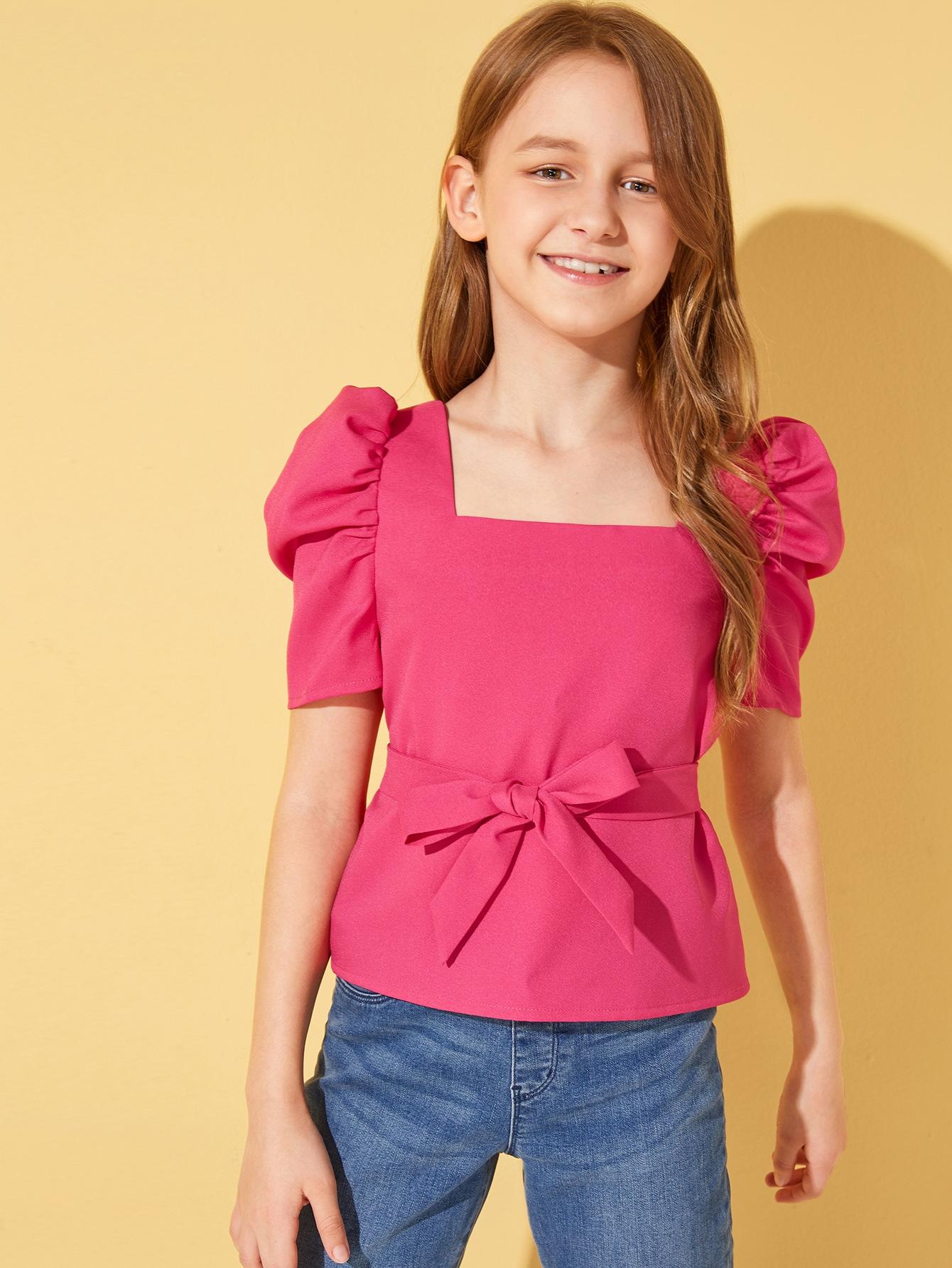 Фото - Топ с пышными рукавами и поясом для девочек от SheIn розового цвета